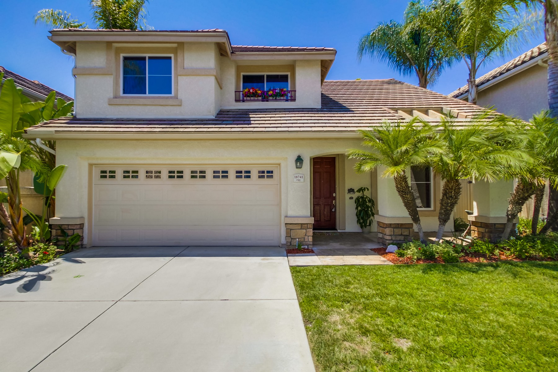 Maison unifamiliale pour l Vente à 18741 Caminito Pasadero 91 San Diego, Californie 92128 États-Unis