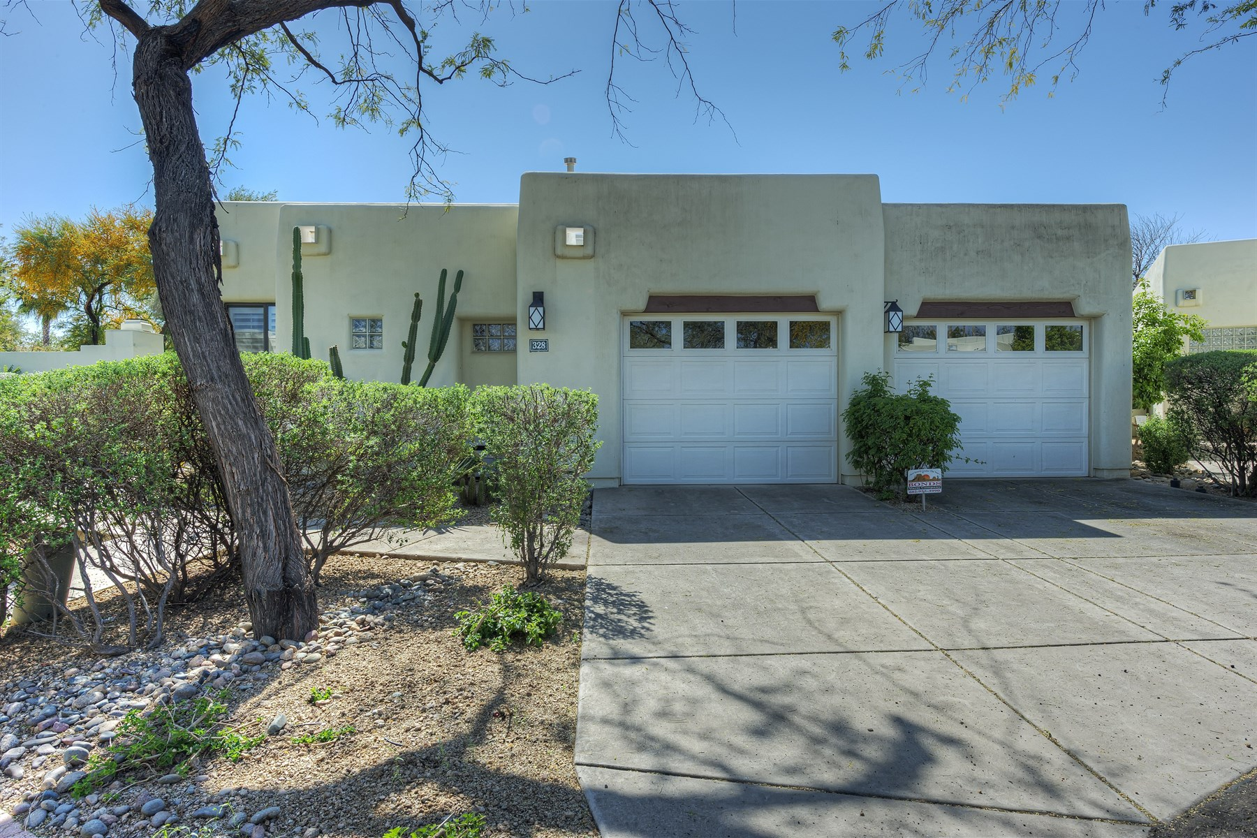 Single Family Home for Sale at Fabulous Paradise Valley Community of Casa Blanca 5101 N Casa Blanca Drive #328 Paradise Valley, Arizona 85253 United States