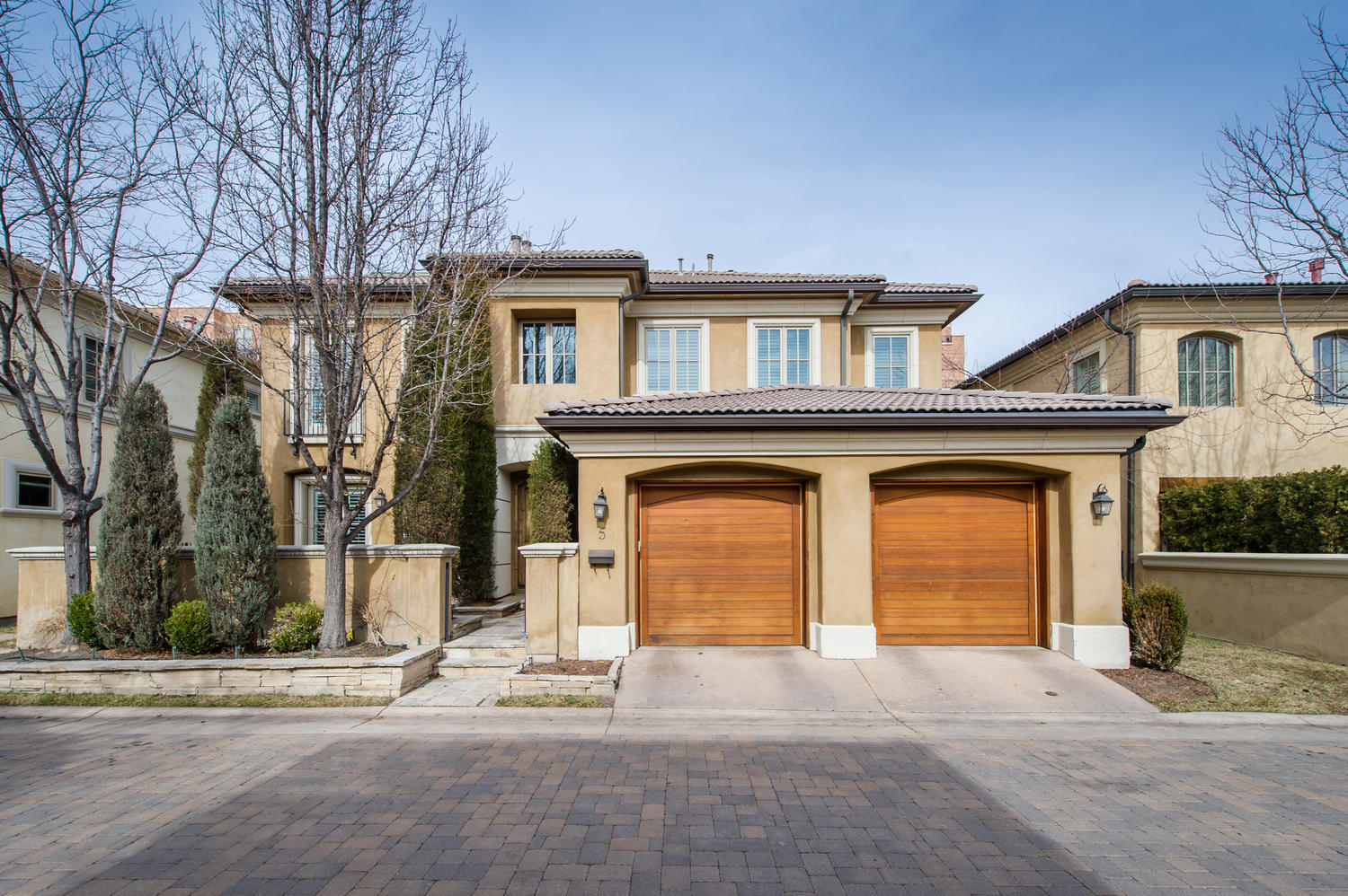 独户住宅 为 销售 在 Stunning European style residence in Cherry Creek's premier gated community 100 University Blvd #5 Cherry Creek, 丹佛, 科罗拉多州, 80209 美国