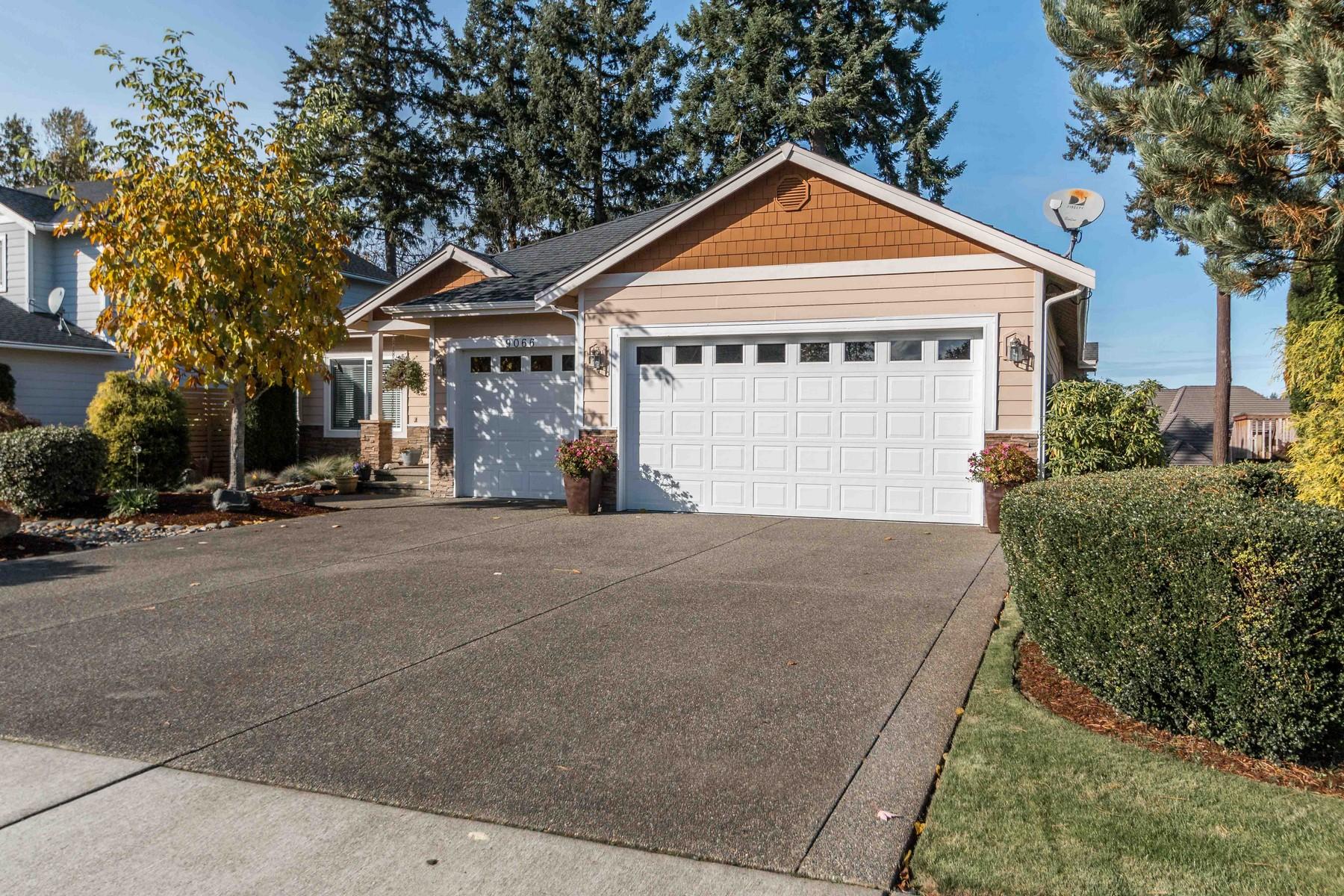 Moradia para Venda às In Eagle Point 9066 Eagle Point Loop Road SW Lakewood, Washington 98498 Estados Unidos