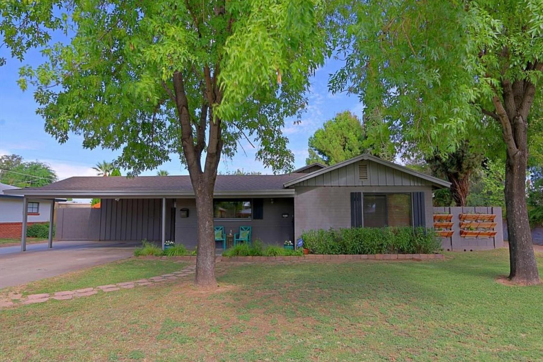 Villa per Vendita alle ore Impeccable home in Arcadia Lite. 4511 N 34th St Phoenix, Arizona 85018 Stati Uniti