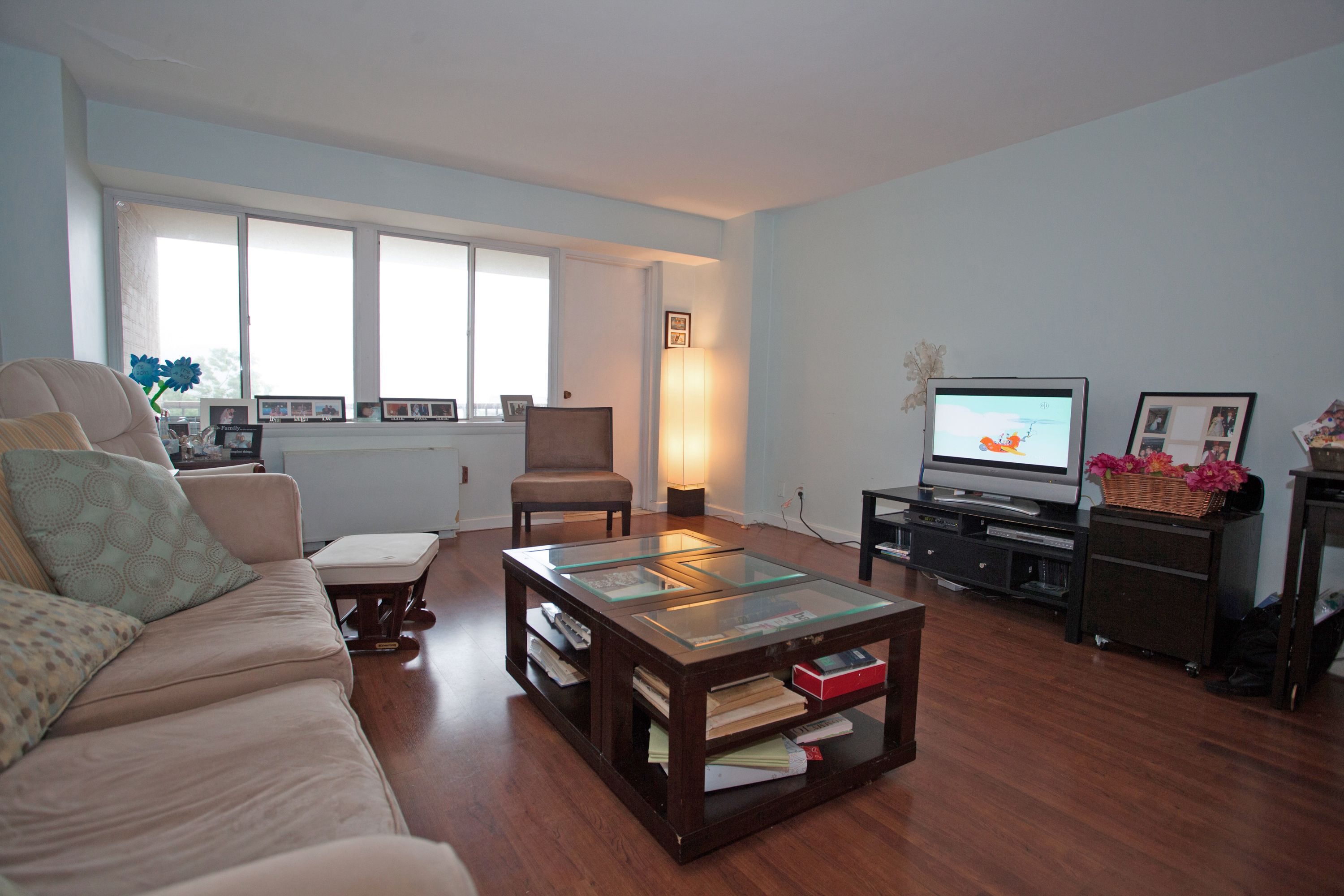 Property Of Edgewater Condo for Rent!