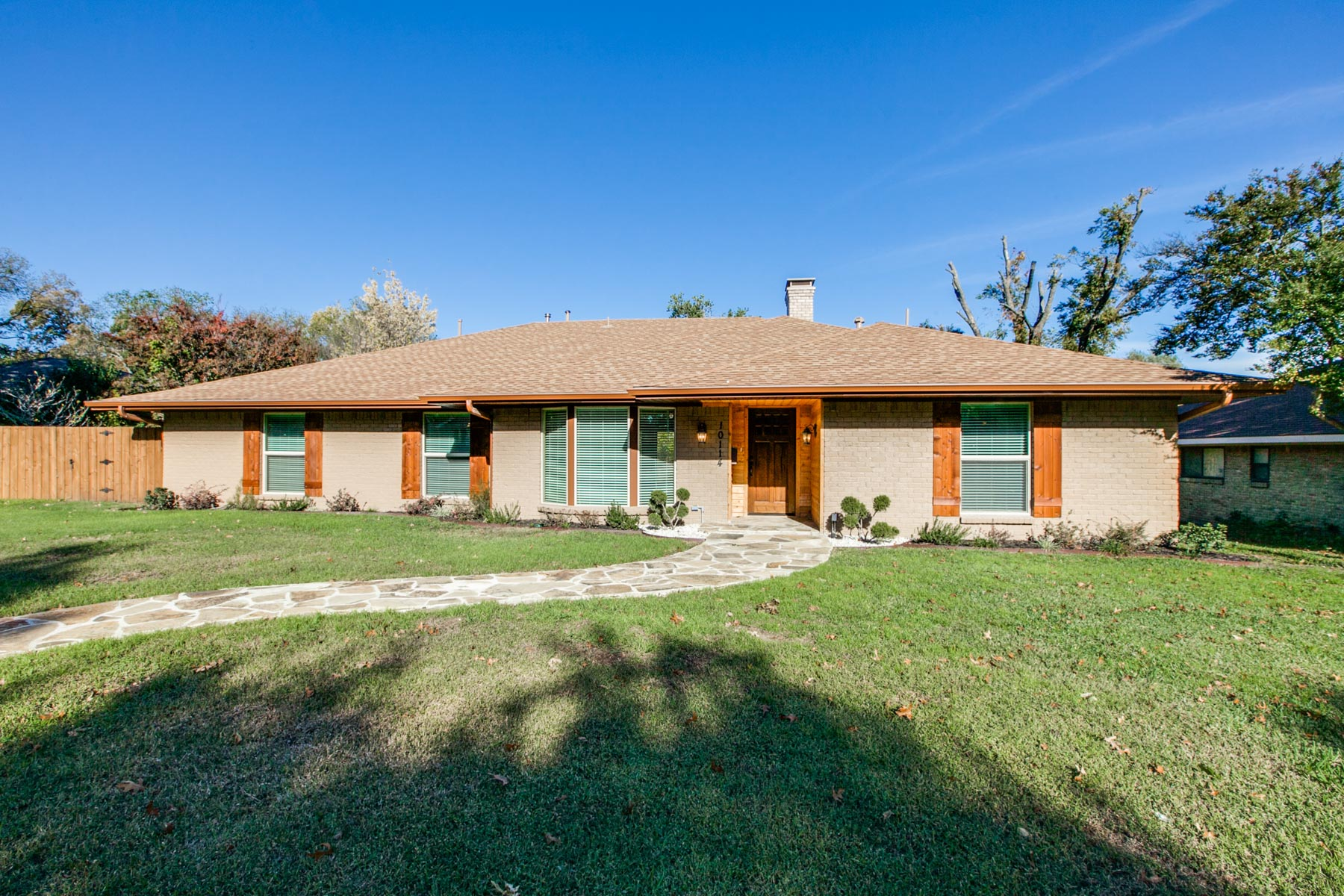 Single Family Home for Sale at Traditional Ranch 10114 Cromwell Drive Dallas, Texas 75229 United States