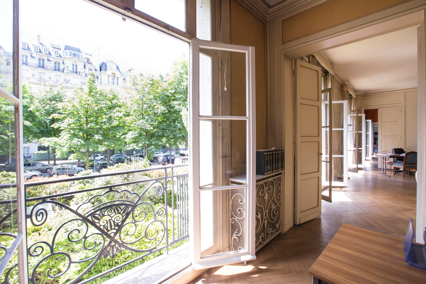 Property For Sale at Mairie du 16è - id. 1042