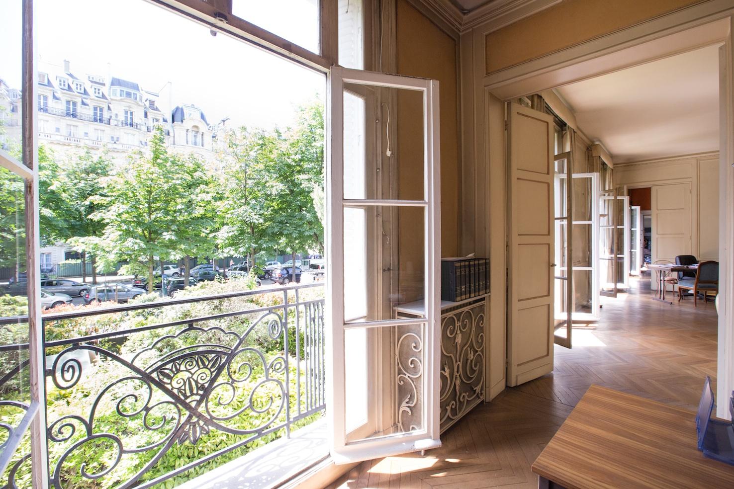 Apartamento por un Venta en Mairie du 16è - id. 1042 Square Lamartine Paris, Paris 75016 Francia