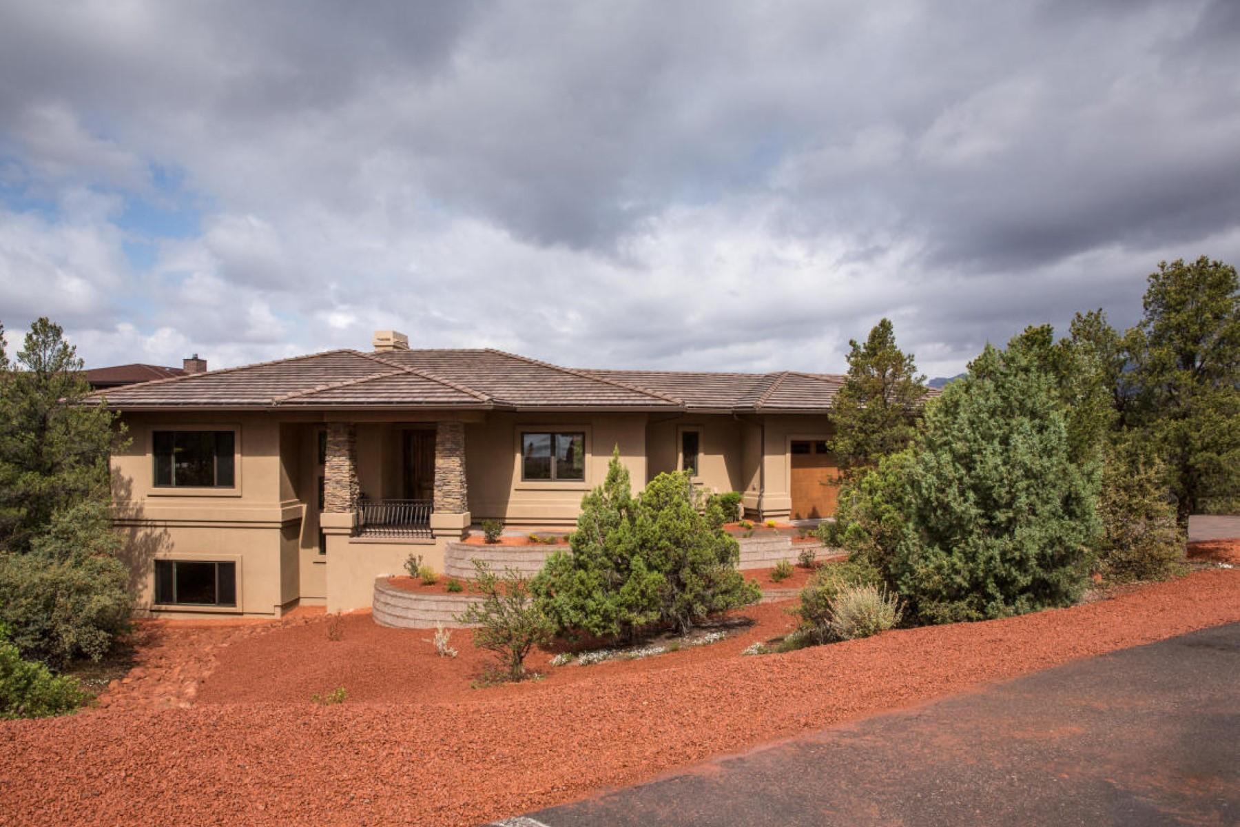 Maison unifamiliale pour l Vente à Professionally Staged Home. 150 Rimstone CIR Sedona, Arizona 86336 États-Unis