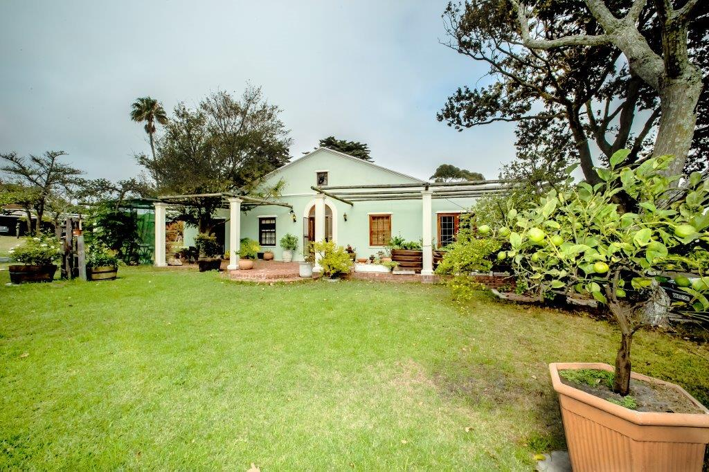 Moradia para Venda às COUNTRY LIVING STYLE WITH DUAL LIVING Cape Town, Western Cape, 7975 África Do Sul