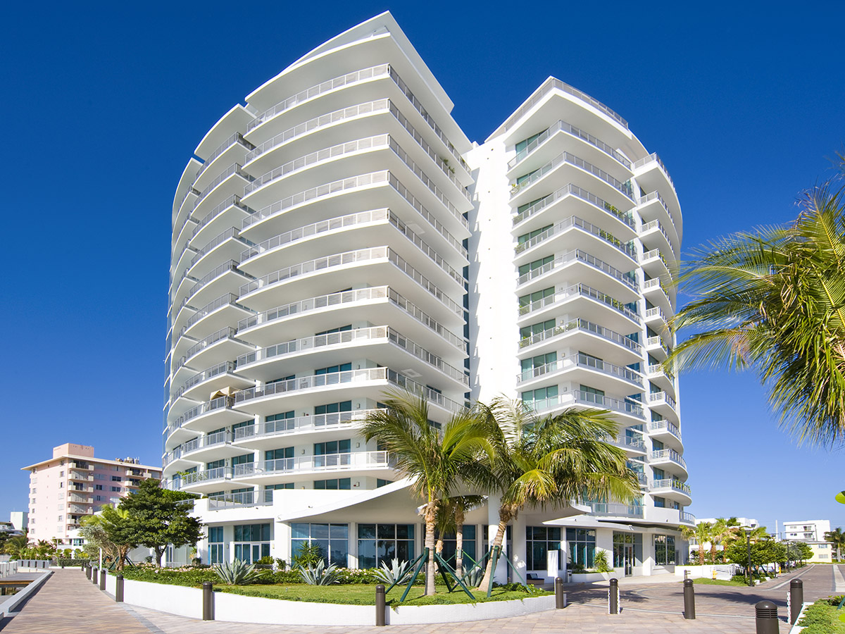 Eigentumswohnung für Verkauf beim Capri 701 1445 16th Street Apt 701 Miami Beach, Florida 33139 Vereinigte Staaten