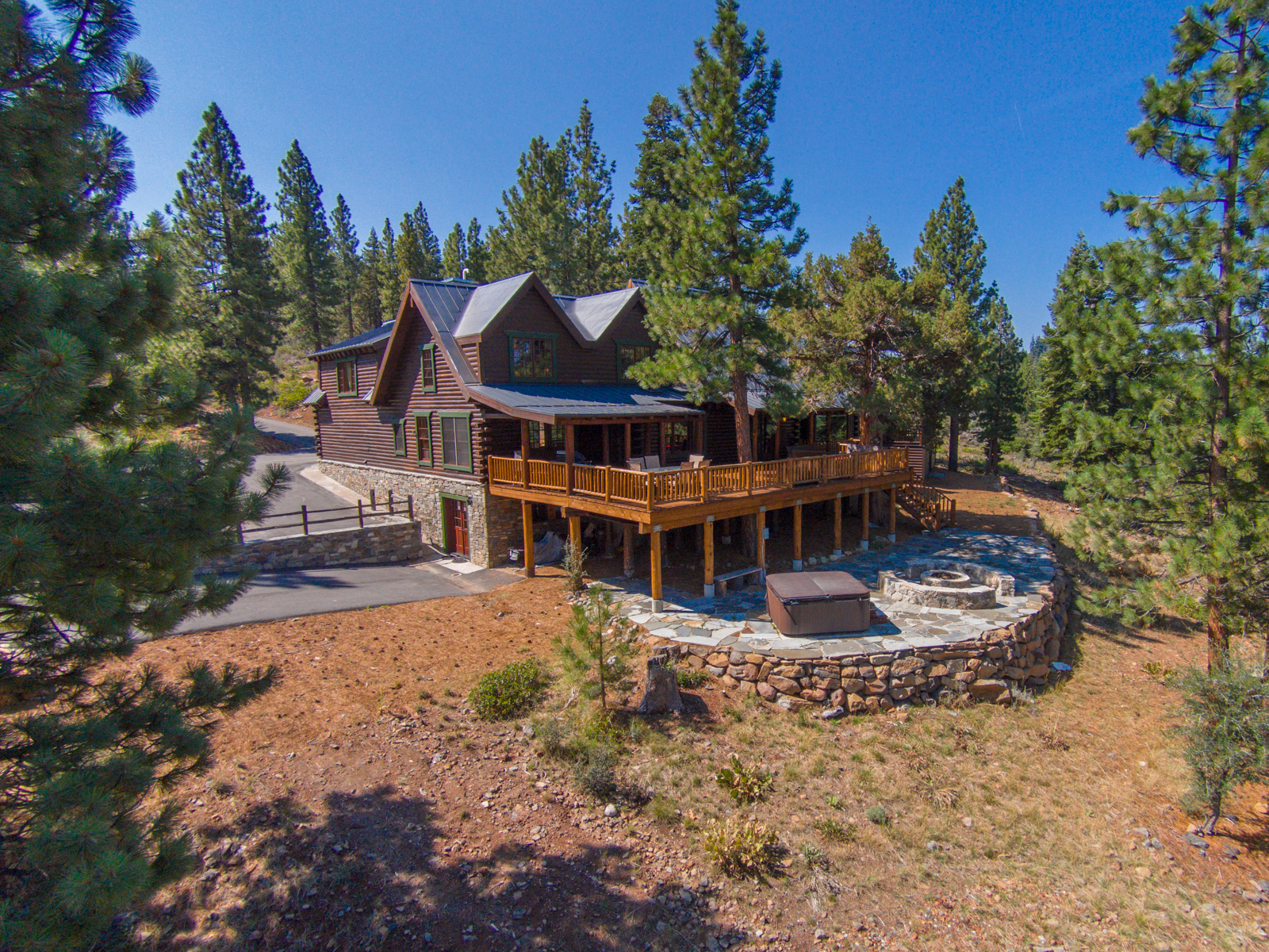 Single Family Home for Sale at 13834 Martis Peak Road Truckee, California 96161 United States