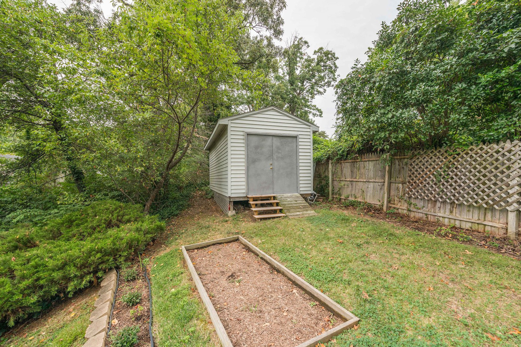 Additional photo for property listing at 7113 Fort Hunt Road, Alexandria 7113 Fort Hunt Rd Alexandria, Виргиния 22307 Соединенные Штаты