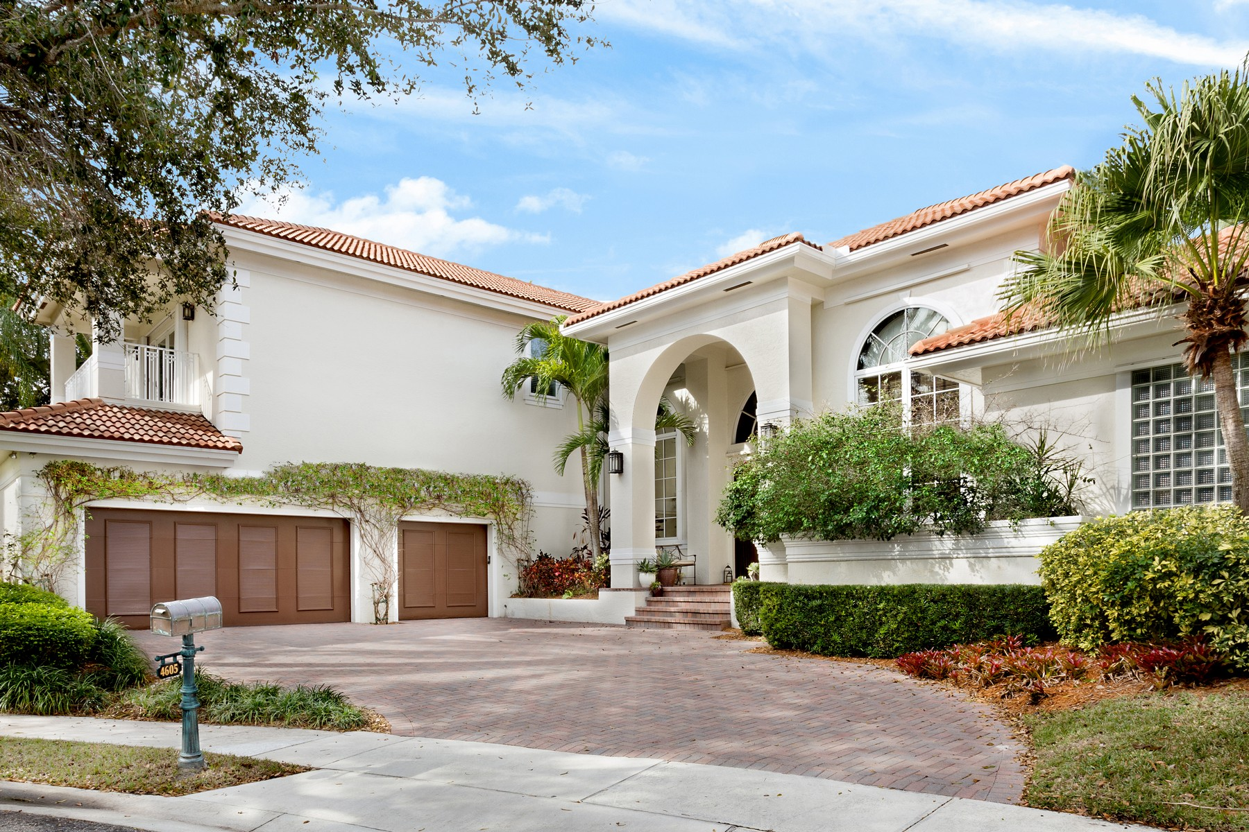 Nhà ở một gia đình vì Bán tại 4605 NW 23rd Terr , Boca Raton, FL 33431 Boca Raton, Florida, 33431 Hoa Kỳ