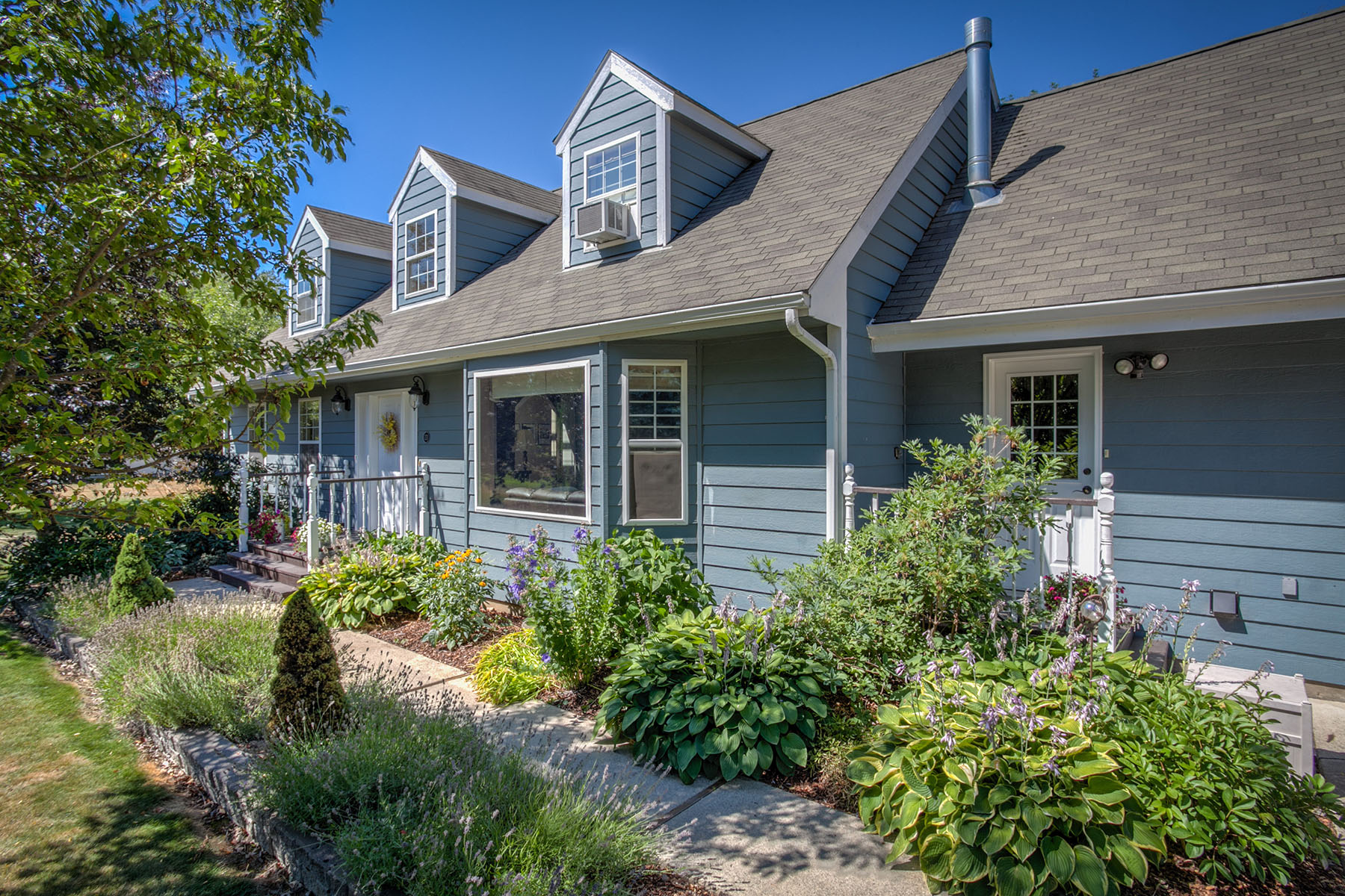 Single Family Home for Sale at Community Waterfront 131 Ponder Point Sandpoint, Idaho 83864 United States