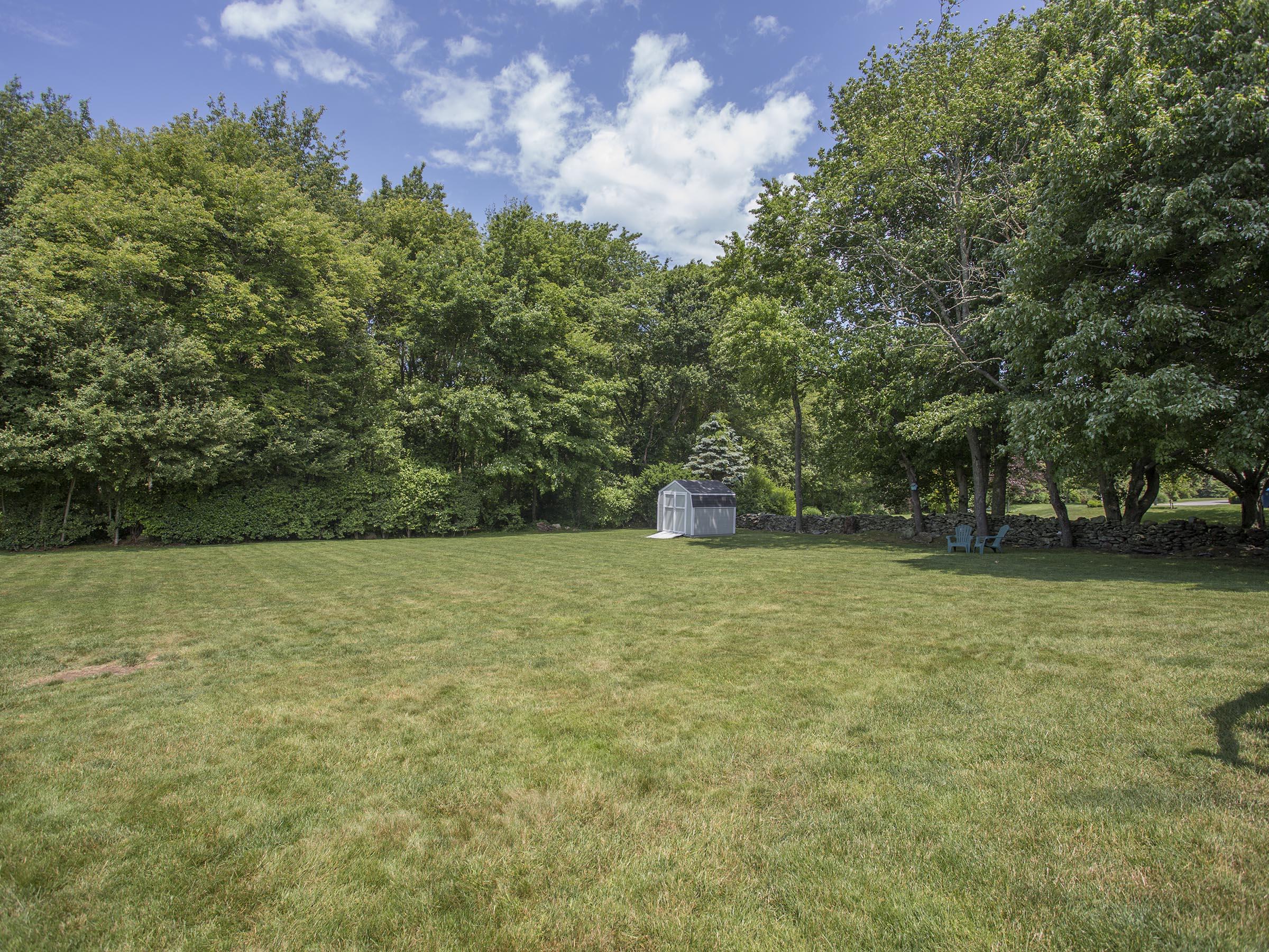 Additional photo for property listing at Coggeshall Farms 11 Coggeshall Circle 米德尔敦, 罗得岛 02842 美国