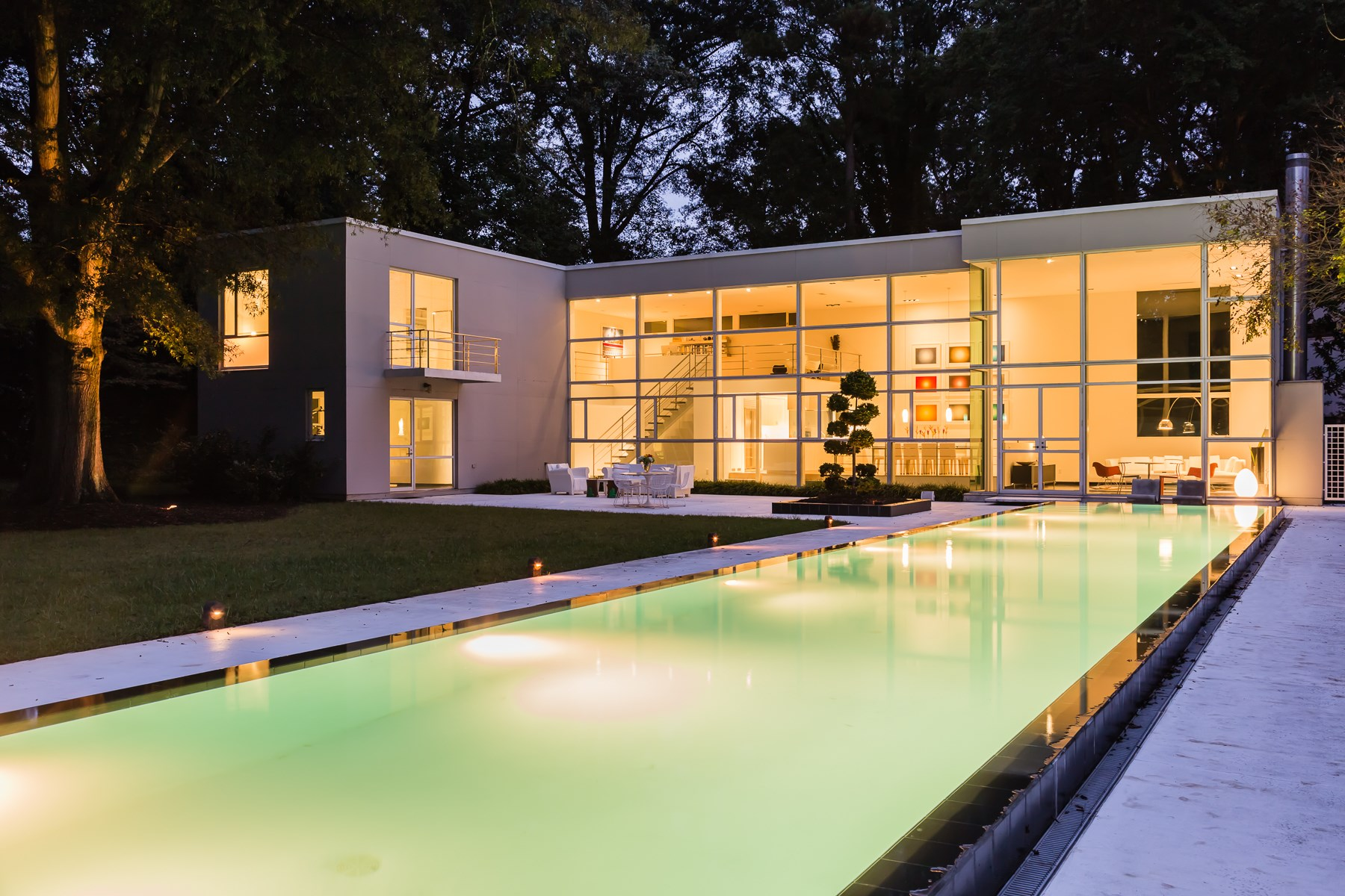 Single Family Home for Sale at Modernist Masterpiece 811 Bryan Street Raleigh, North Carolina, 27605 United StatesIn/Around: Cary, Durham, Chapel Hill