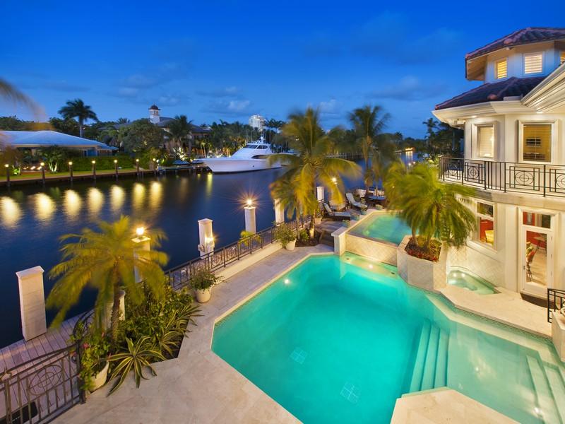 Maison unifamiliale pour l Vente à 2501 Del Lago Dr Fort Lauderdale, Florida 33316 États-Unis