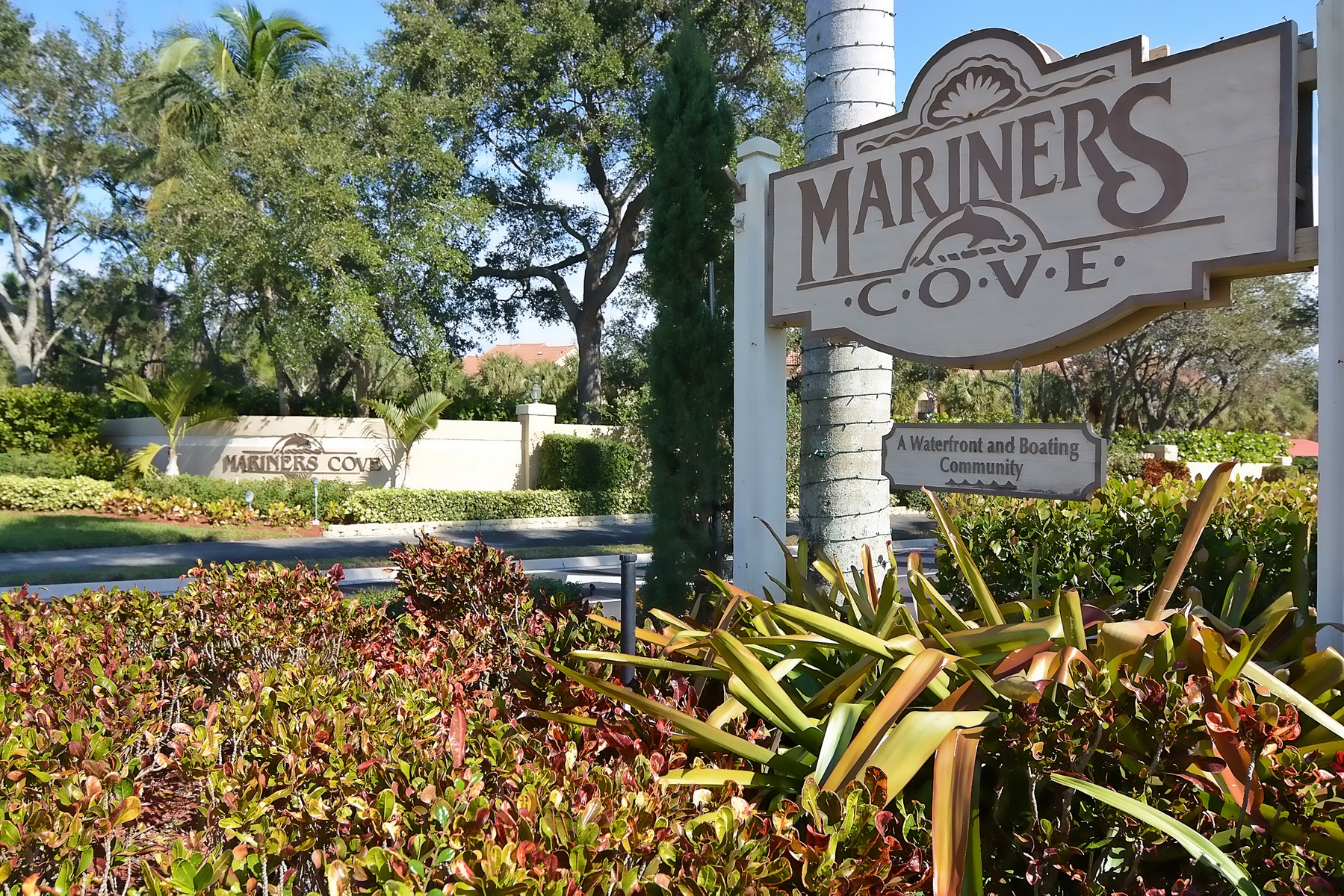Townhouse for Sale at 2379 Treasure Isle Drive 25 Mariners Cove, Palm Beach Gardens, Florida, 33410 United States