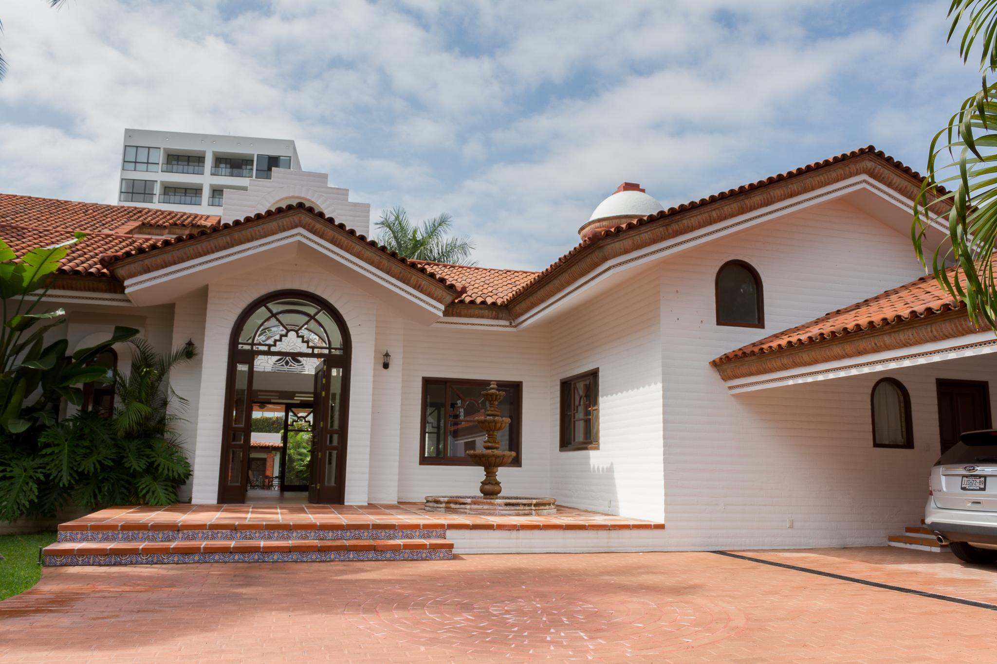 Single Family Home for Sale at Residencia del Parque Paseo de los Parques 4901 Guadalajara, Jalisco 45110 Mexico