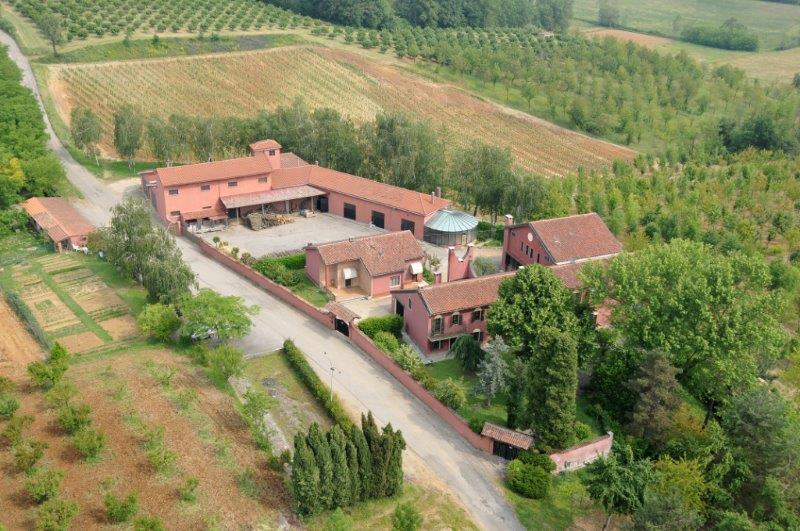 Additional photo for property listing at Uncomparable farmhouse the heart of Monferrato Strada Costa Rossa Fubine, Alessandria 15043 Italy