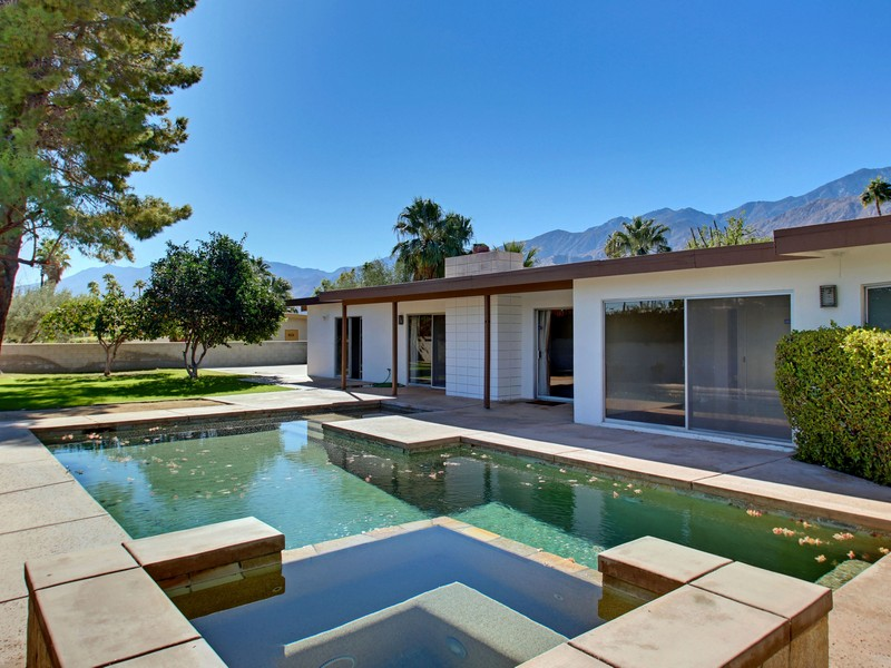 Single Family Home for Sale at 312 N Burton Way Palm Springs, California 92262 United States