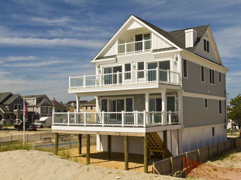 Maison unifamiliale pour l Vente à Custom Built Oceanfront Home 3660 Ocean Terrace Normandy Beach, New Jersey 08739 États-Unis