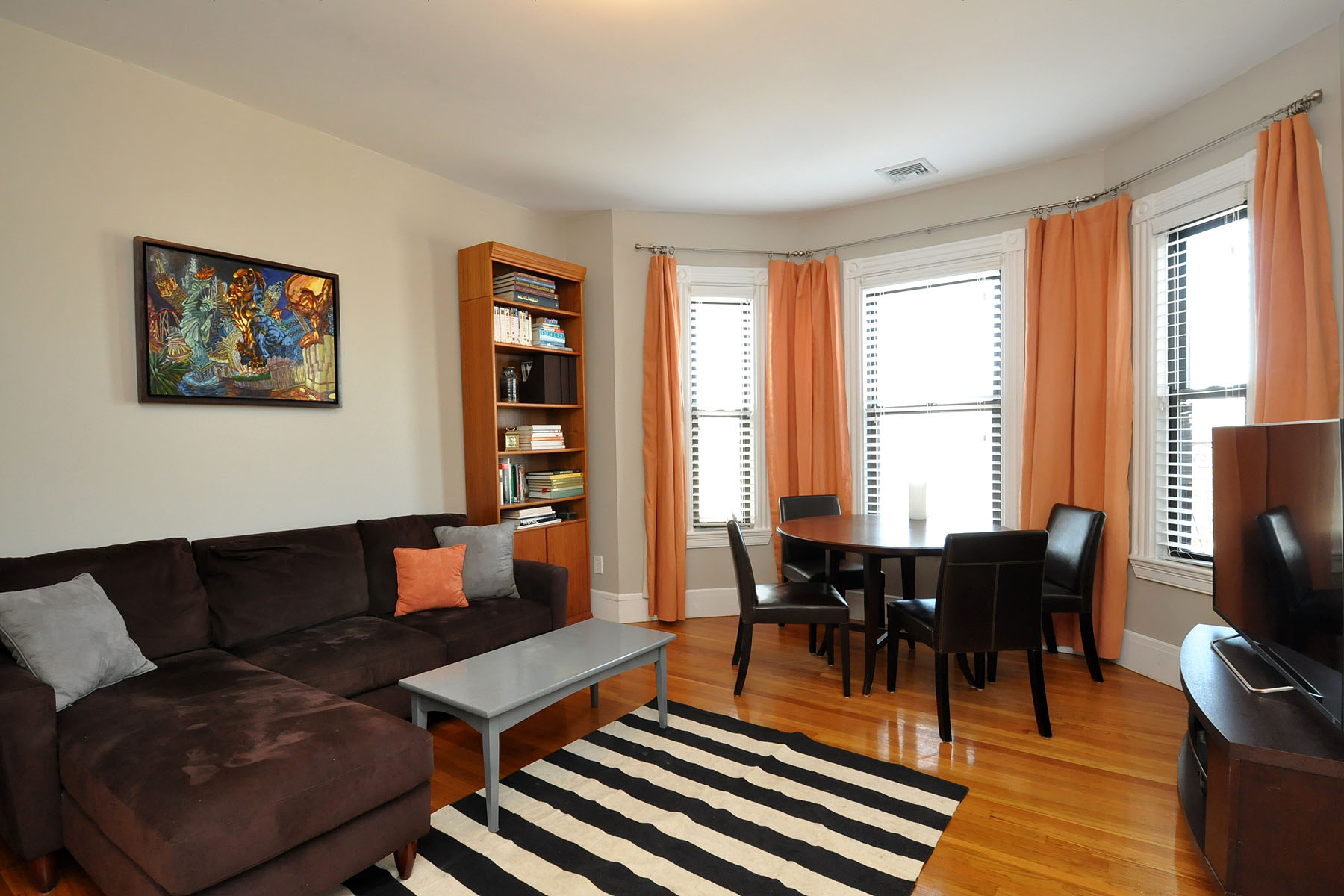 Condominio per Vendita alle ore 42 Rockview St 42 Rockview St #5 Jamaica Plain, Boston, Massachusetts 02130 Stati Uniti
