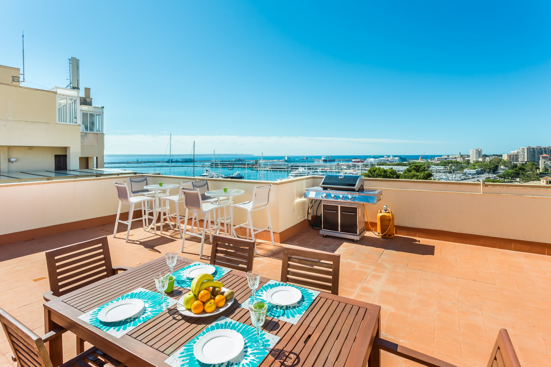 Single Family Home for Rent at Penthouse with seaview and garage in Palma Palma De Mallorca, Balearic Islands, 07003 Spain