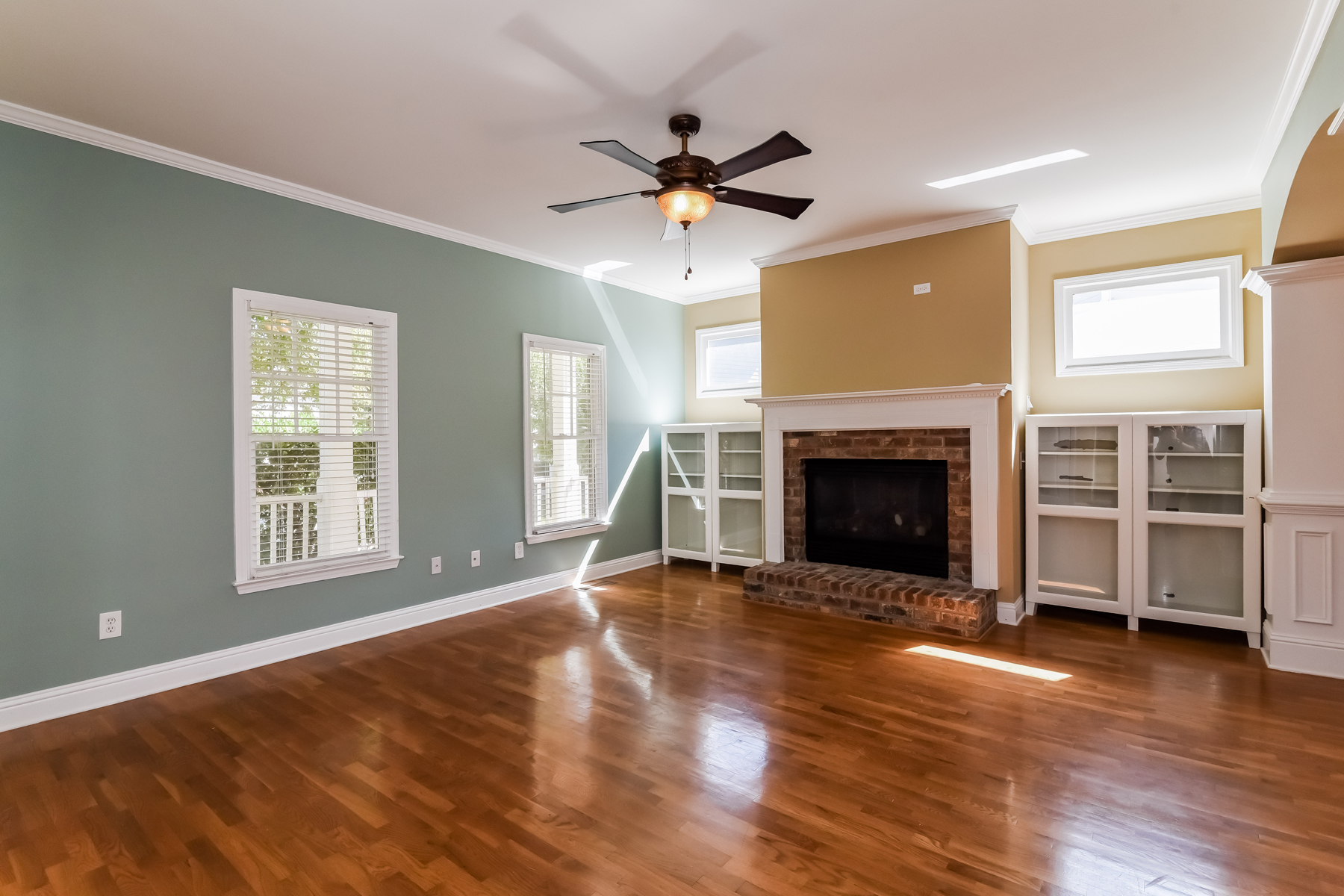 Additional photo for property listing at Charming Westside Traditional 2058 Adams Overlook NW Atlanta, Джорджия 30318 Соединенные Штаты