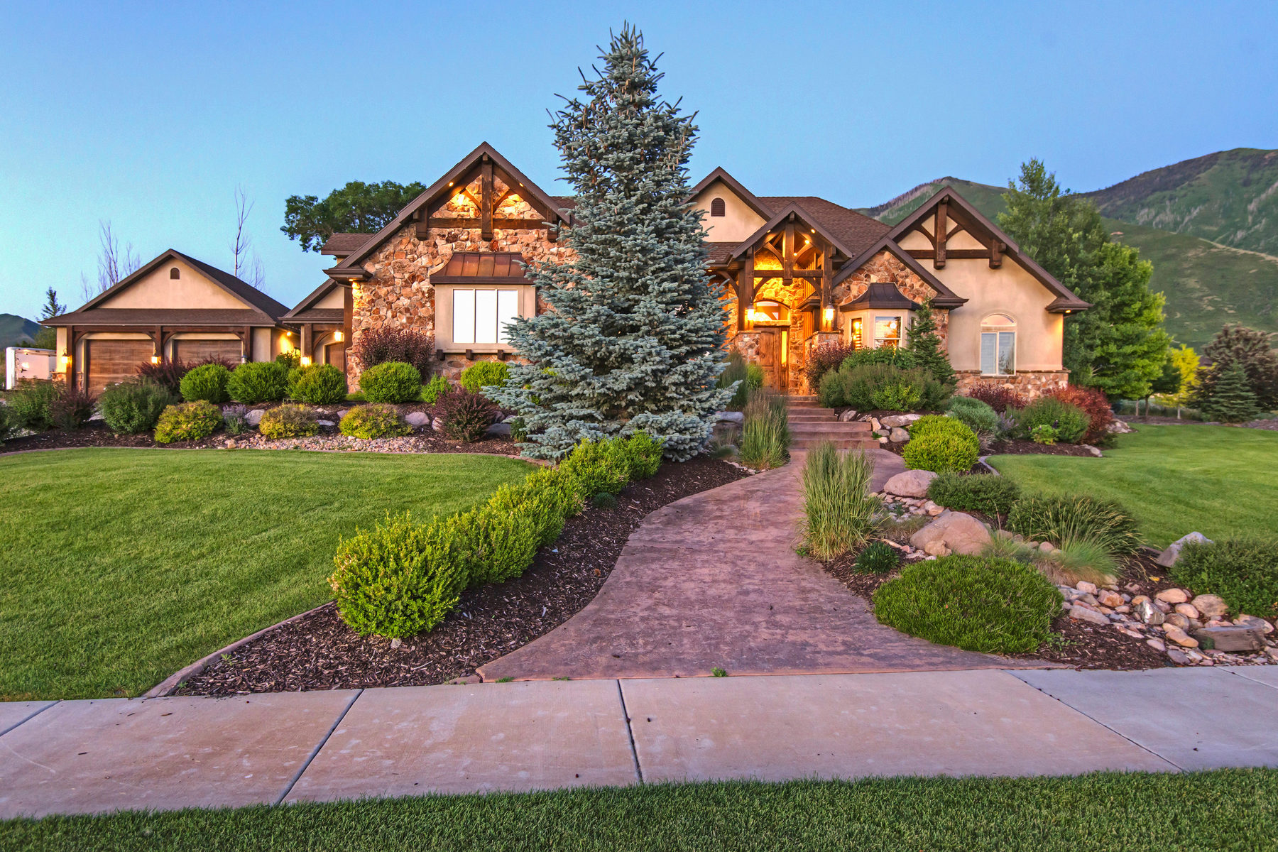 Villa per Vendita alle ore Living the Dream in Mapleton 2449 S Brush Canyon Dr Mapleton, Utah 84664 Stati Uniti