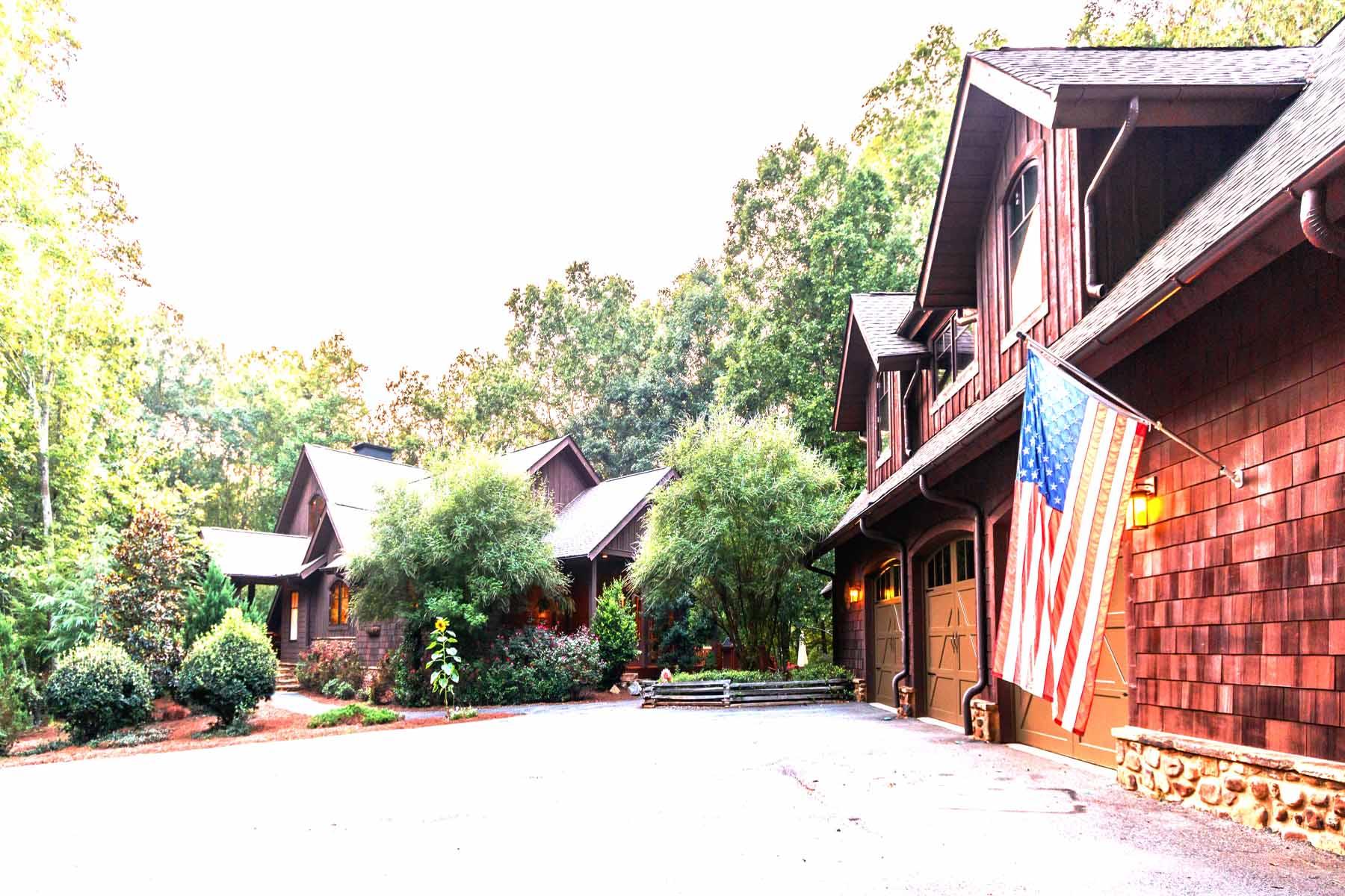 Landgut / Bauernhof / Plantage für Verkauf beim Private Retreat on 8 Acres Near Milton 2000 Iron Mountain Road Canton, Georgia, 30115 Vereinigte Staaten