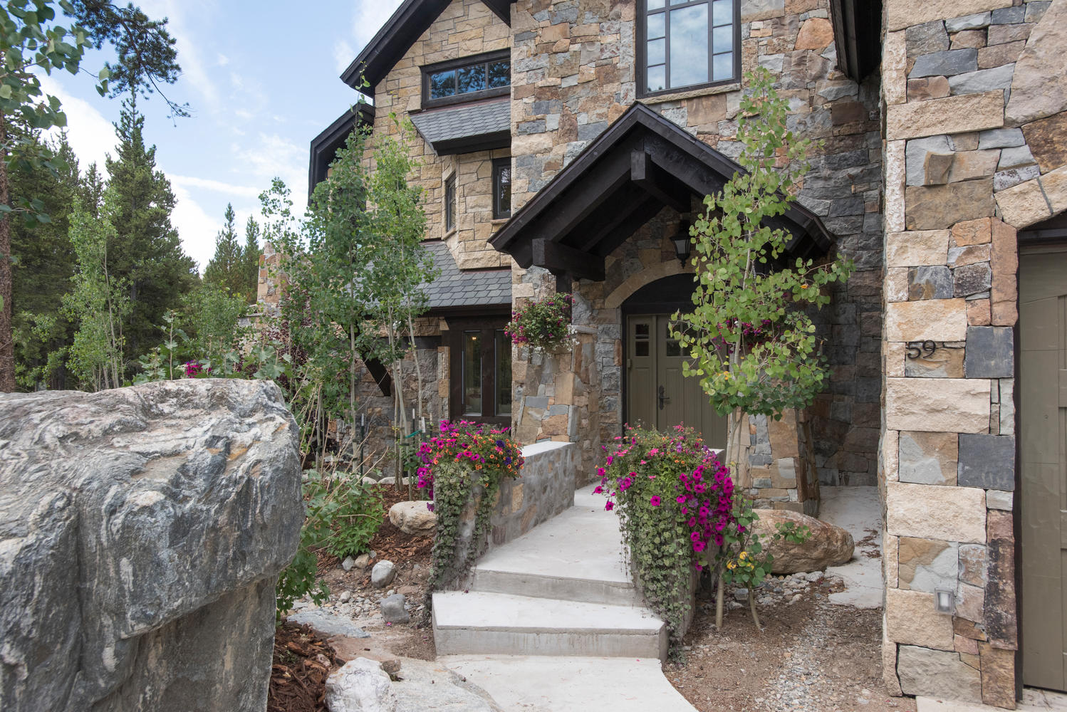 Single Family Home for Sale at 59 Lakecrest Drive Blue River, Colorado, 80424 United States