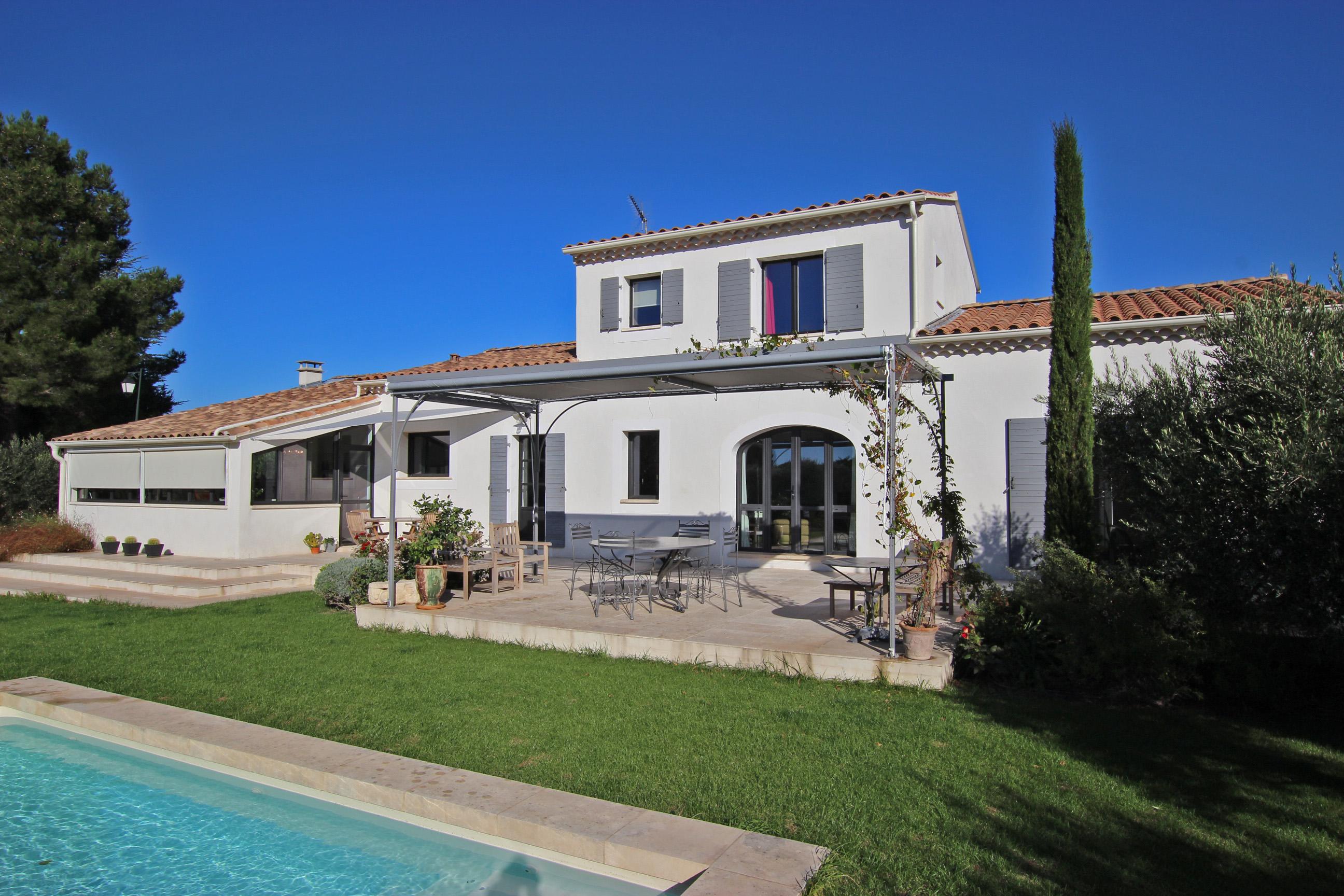 Таунхаус для того Продажа на Charming country house in Maussane les Alpilles Other Provence-Alpes-Cote D'Azur, Прованс-Альпы-Лазурный Берег 13520 Франция