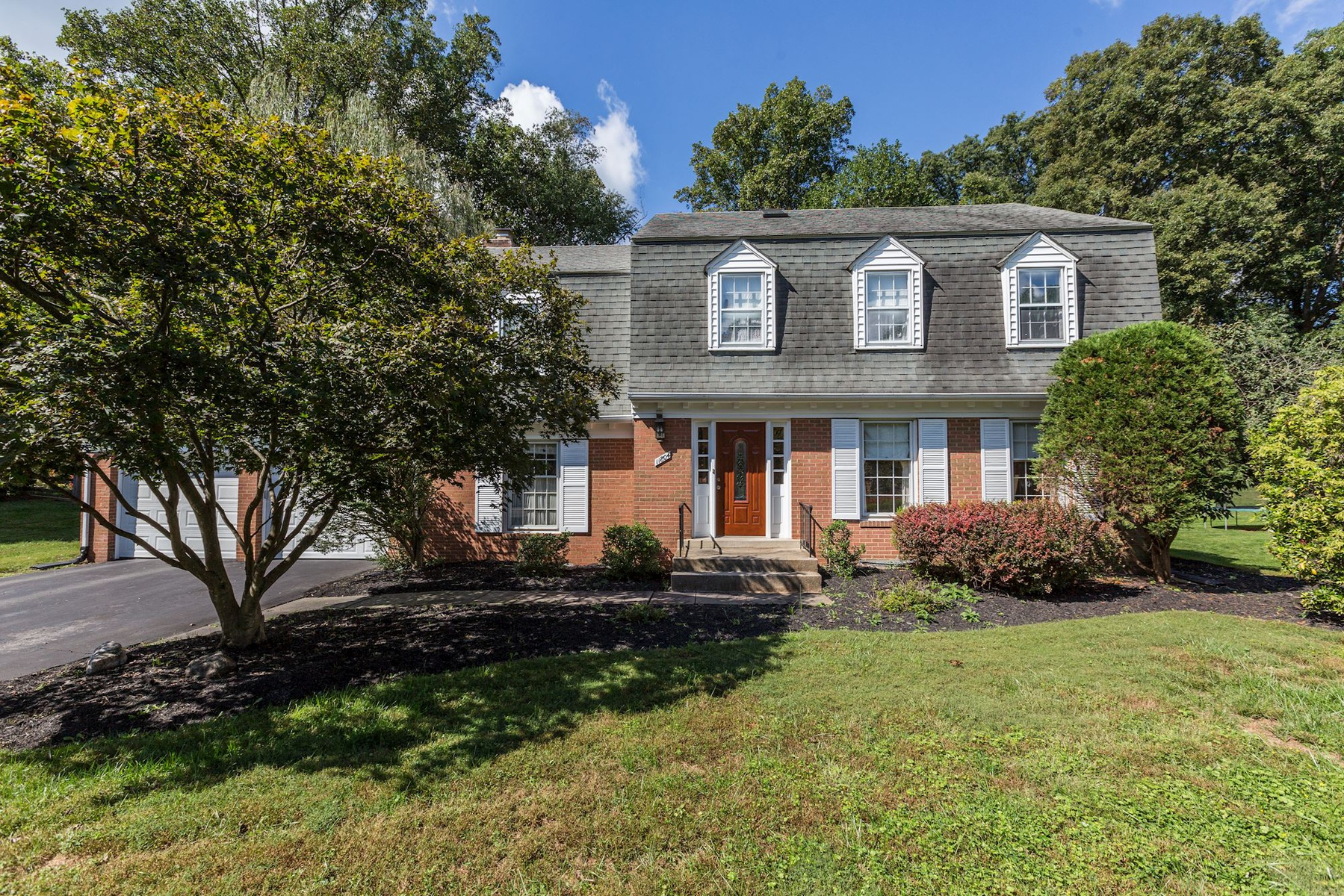 Single Family Home for Sale at Potomac 11804 Gregerscroft Rd Potomac, Maryland 20854 United States