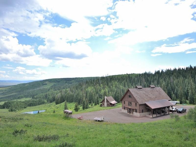 Landgut / Bauernhof / Plantage für Verkauf beim Singing Elk Ranch at Five Pines Mesa 8855 Bearpaw Trail Yampa, Colorado 80433 Vereinigte Staaten