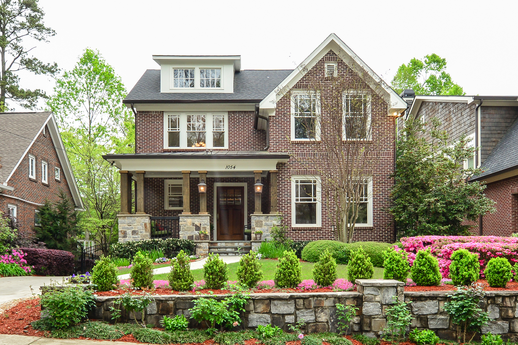 단독 가정 주택 용 매매 에 Stunning Brick And Stone Home In Morningside 1054 Cumberland Road Morningside, Atlanta, 조지아, 30306 미국