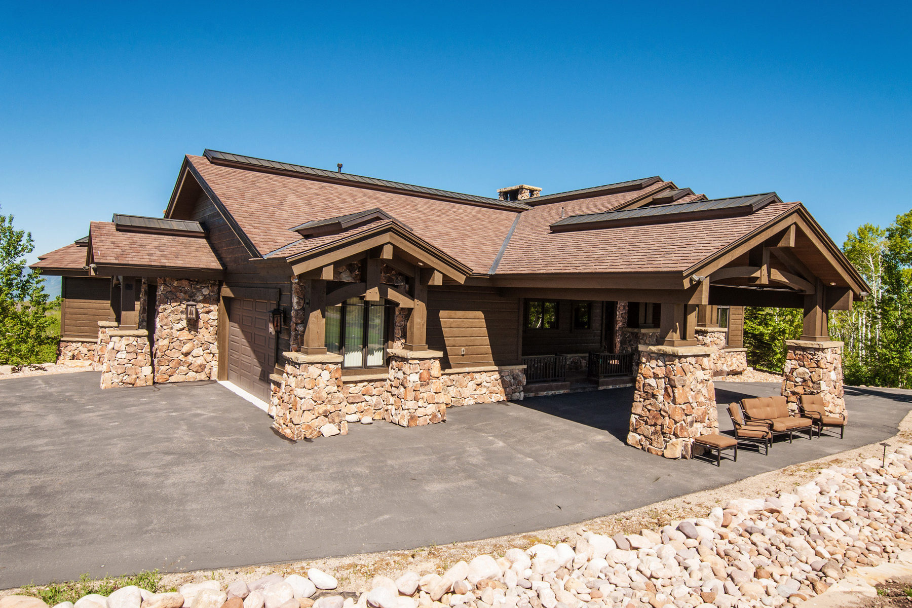 Casa Unifamiliar por un Venta en Fabulous Home in Wolf Creek 9156 E Forest Creek Woodland, Utah 84036 Estados Unidos