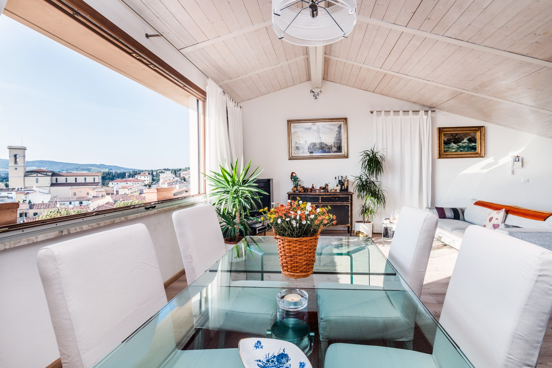 Additional photo for property listing at Lovely villa with panoramic views over the sea Via delle Grotte Rosignano Marittimo, Livorno 57014 Italy