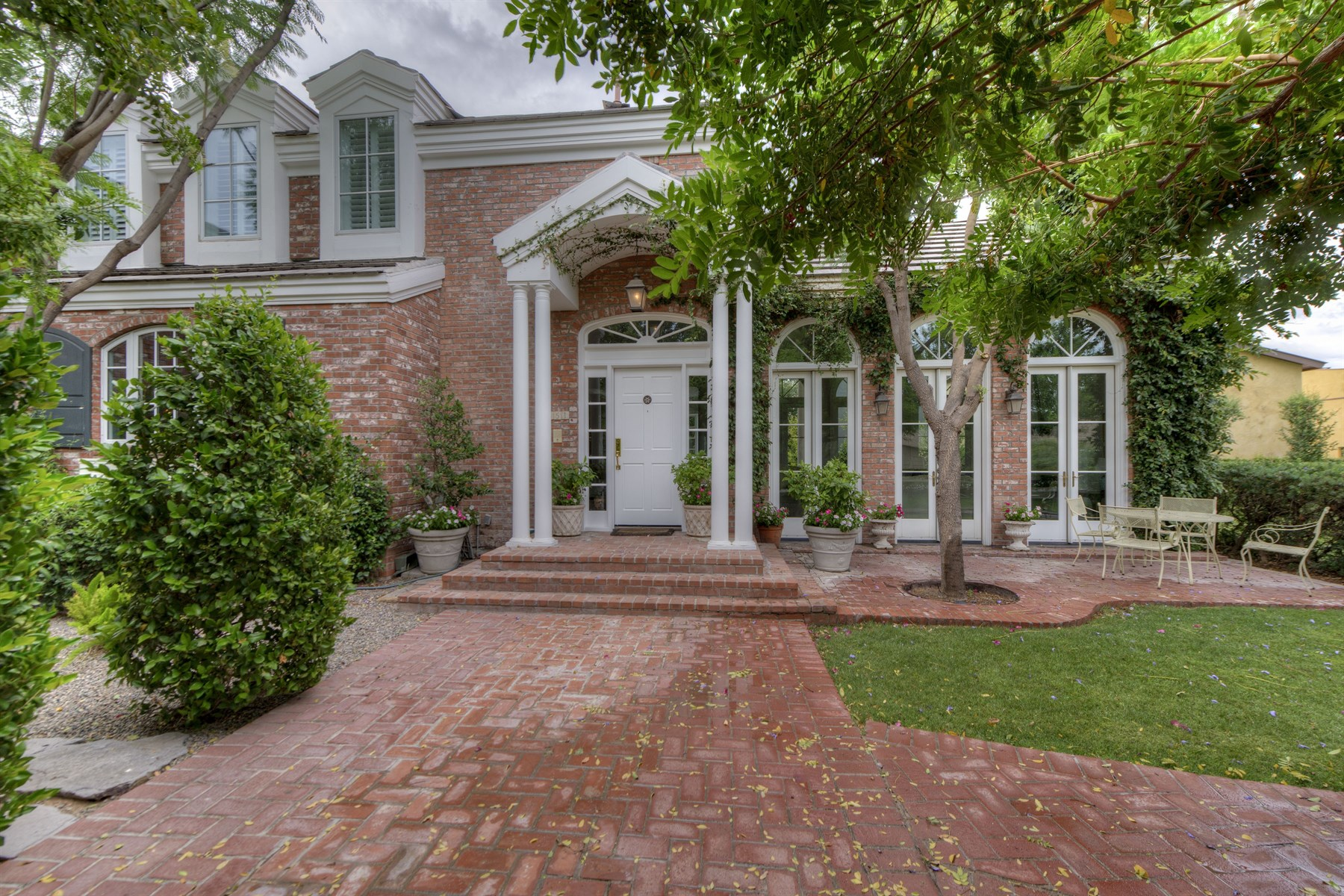 sales property at Traditional Southern Charm describes this special property.