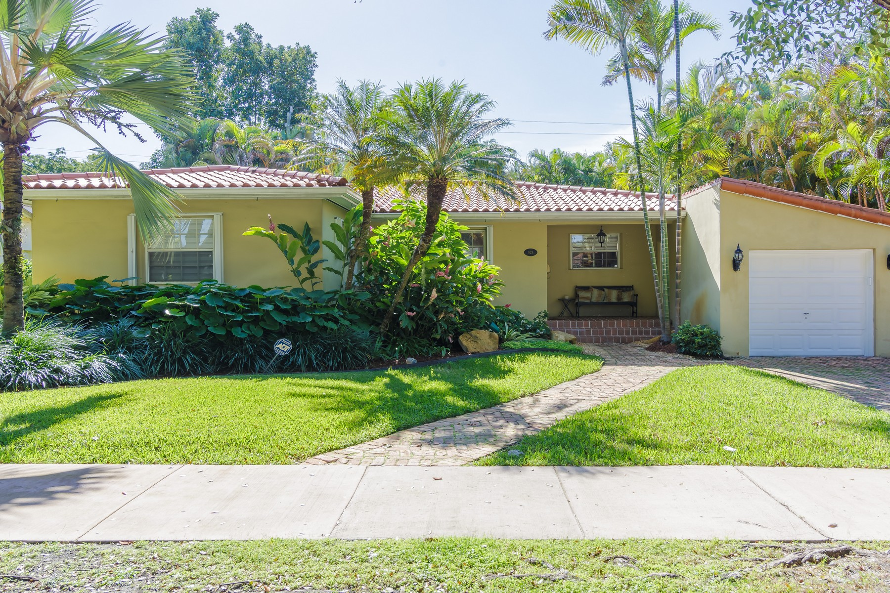 Single Family Home for Sale at 828 Mariana Ave Coral Gables, Florida, 33134 United States