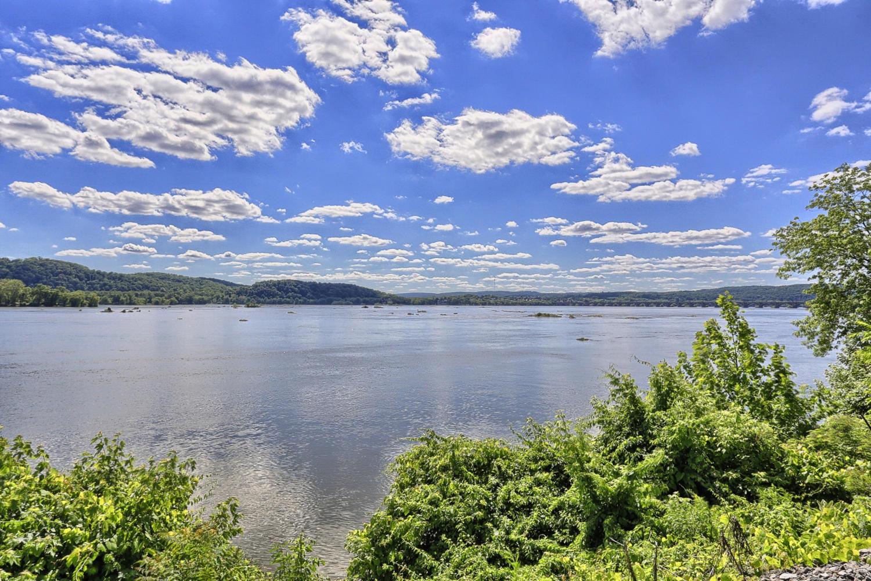 土地 为 销售 在 1400 Water Street 哥伦比亚, 宾夕法尼亚州 17512 美国