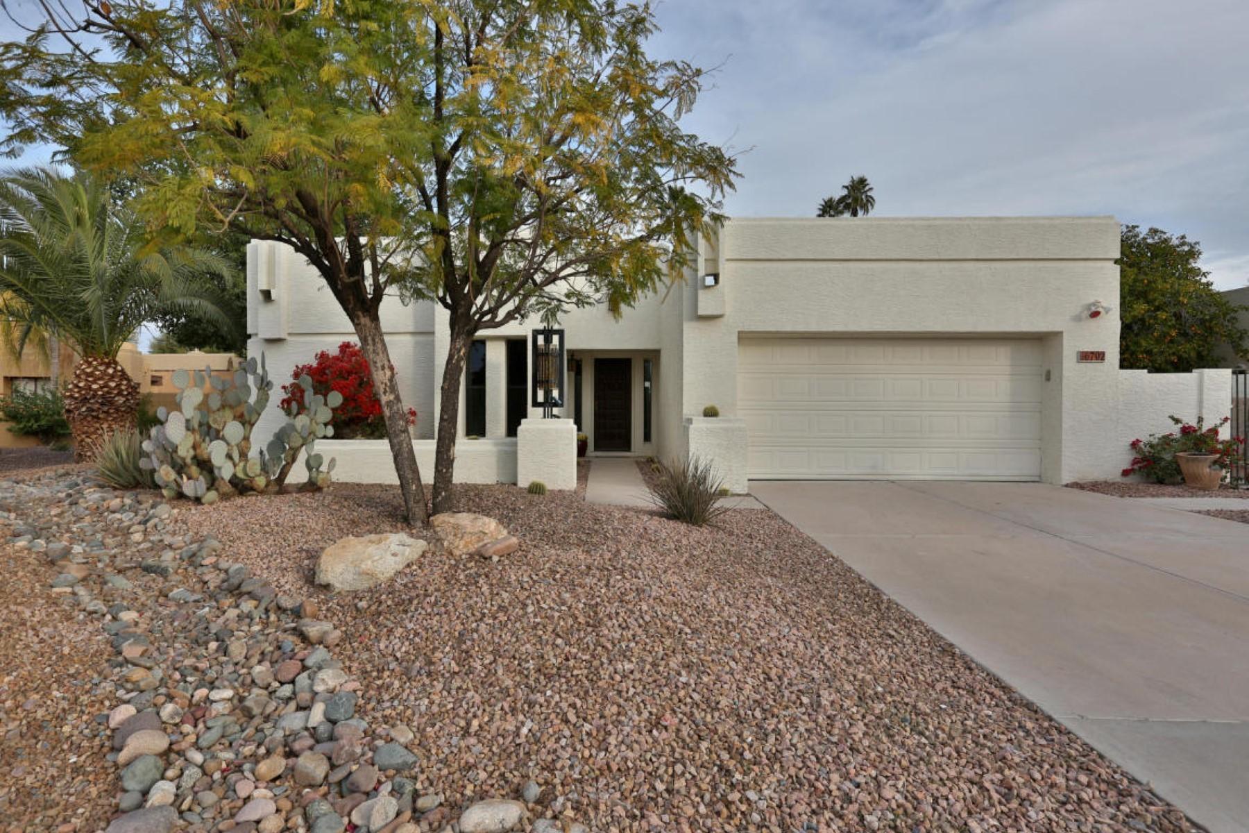 Villa per Vendita alle ore Stunning newly remodeled home 6702 E Phelps Rd Scottsdale, Arizona 85254 Stati Uniti