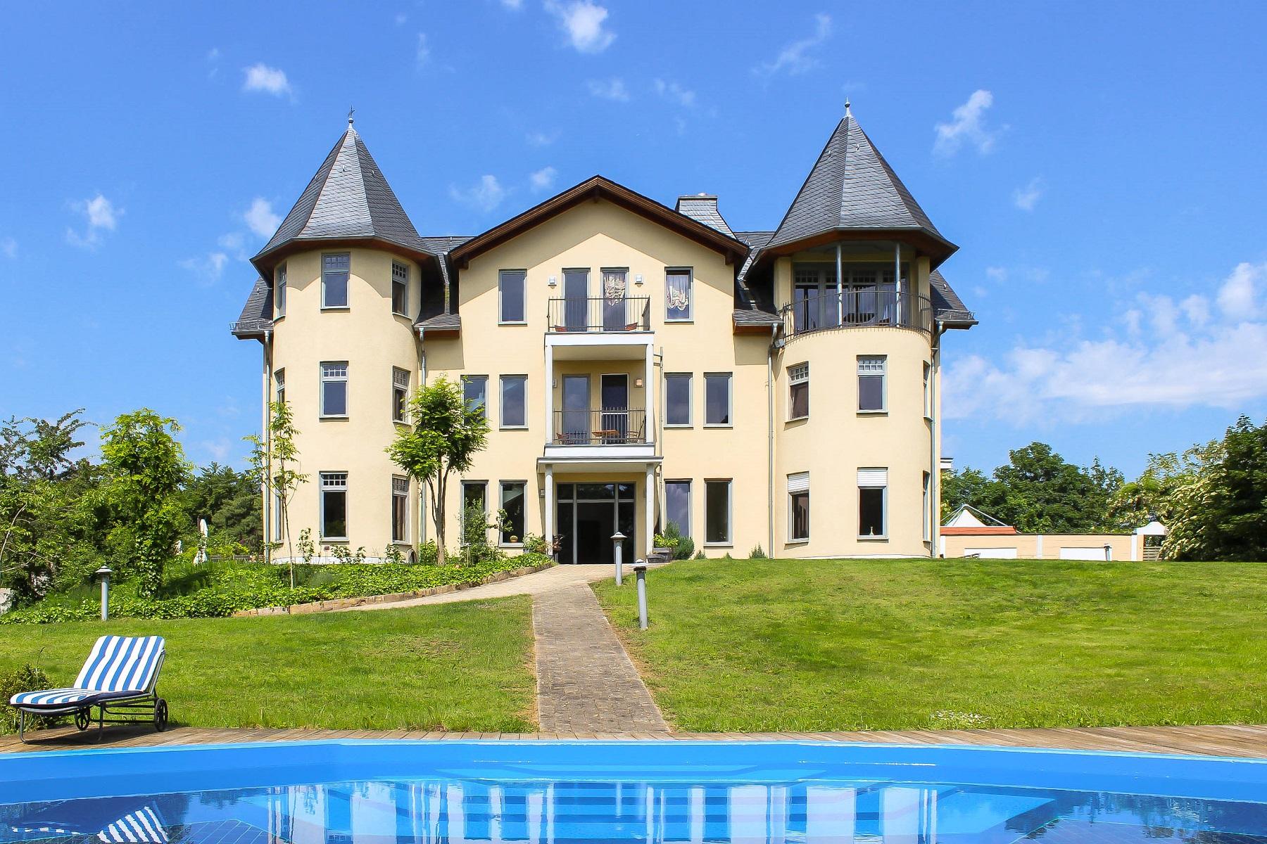 Villa per Vendita alle ore Grand Mansion Like A Castle Budenheim, Assia 55257 Germania