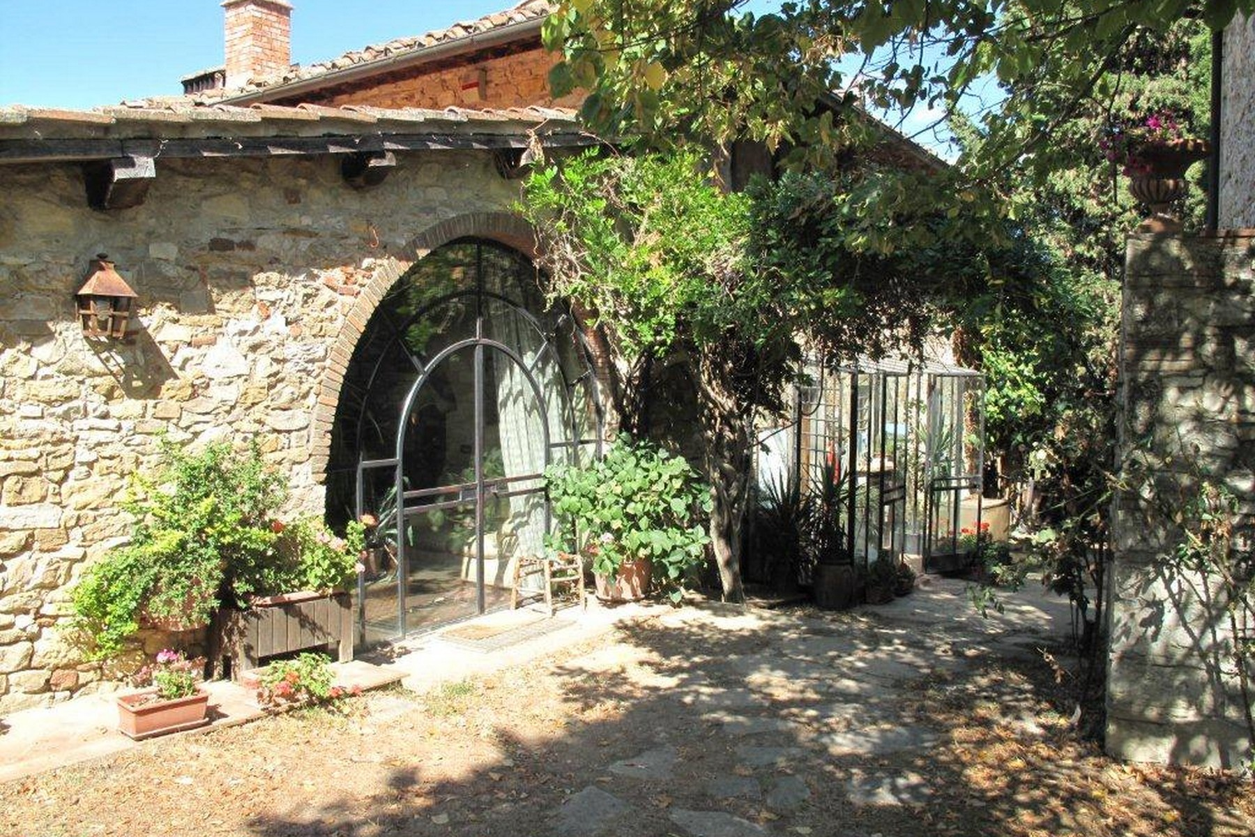 Additional photo for property listing at Lovely hamlet near Greve in Chianti Via San Cresci Greve In Chianti, Florence 50022 Italie