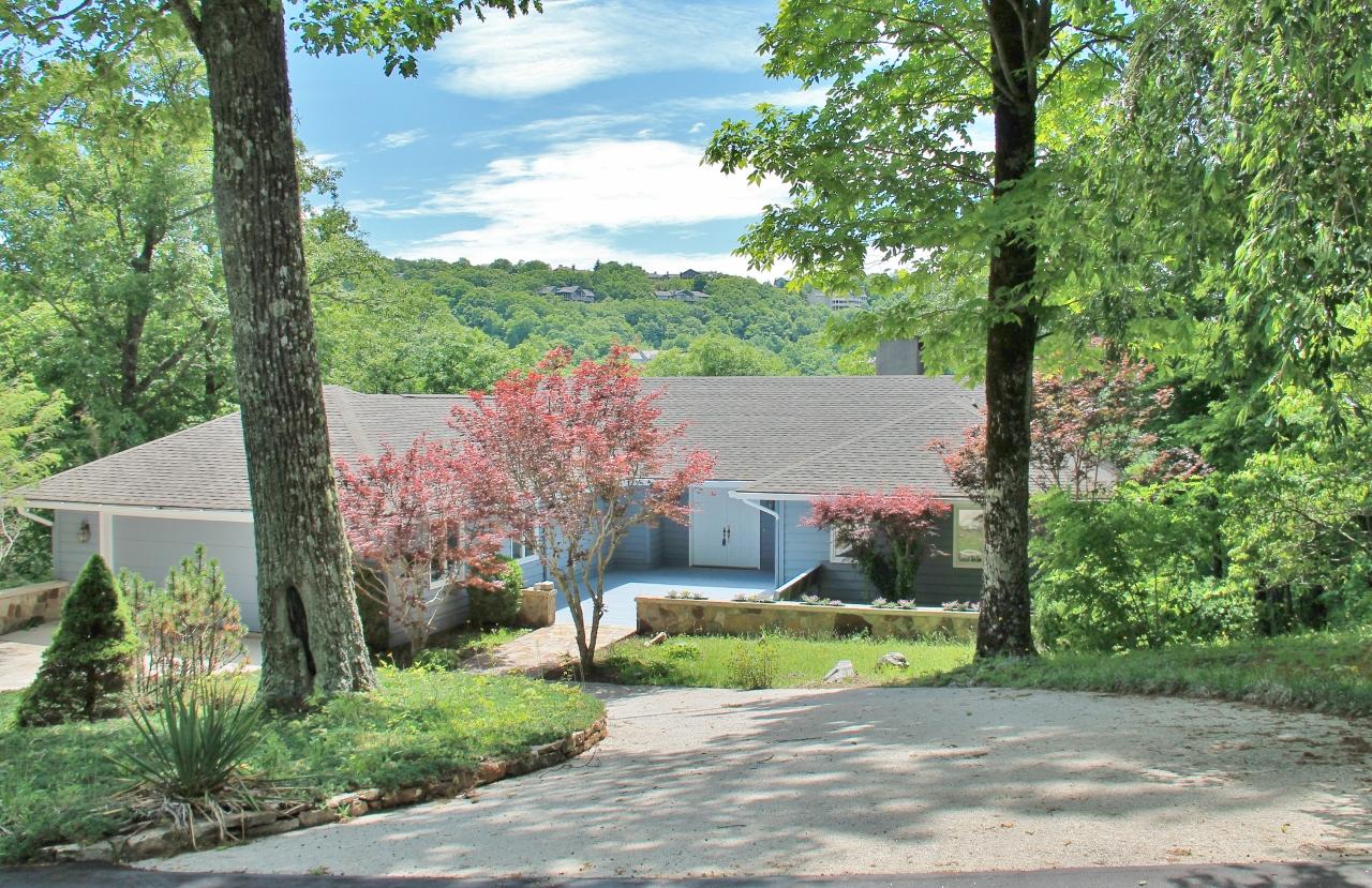 Single Family Home for Sale at 16 South Sassafras Court Highlands, North Carolina, 28741 United States