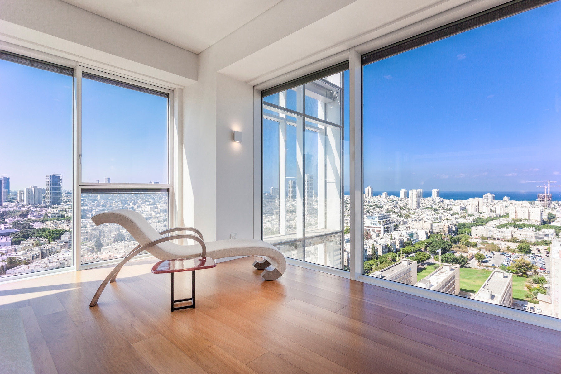 Apartman Dairesi için Satış at Modern Luxury Apartment With Incomparable Views Tel Aviv, Israil