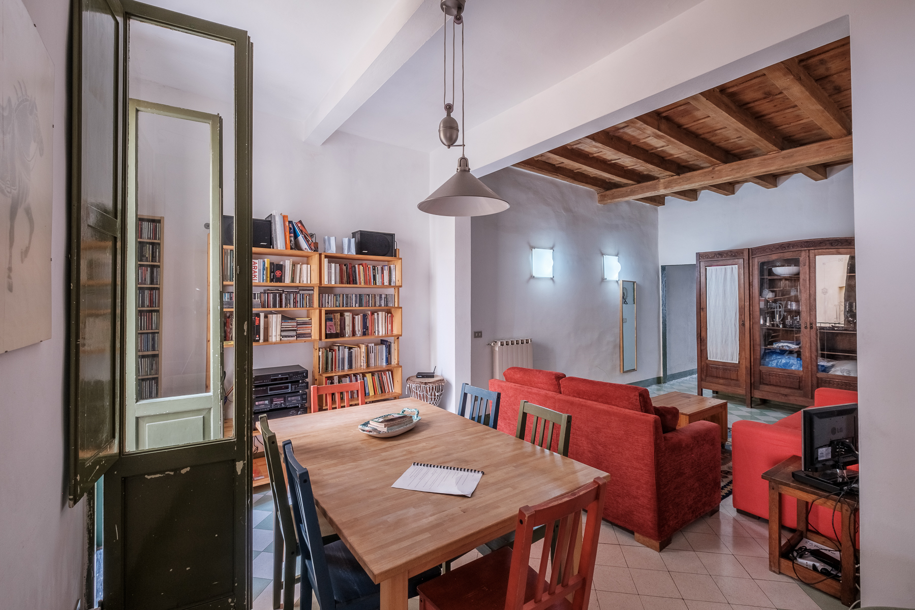 Additional photo for property listing at Characteristic Apartment in Florence city center Via San Zanobi Firenze, Florence 50100 Italy