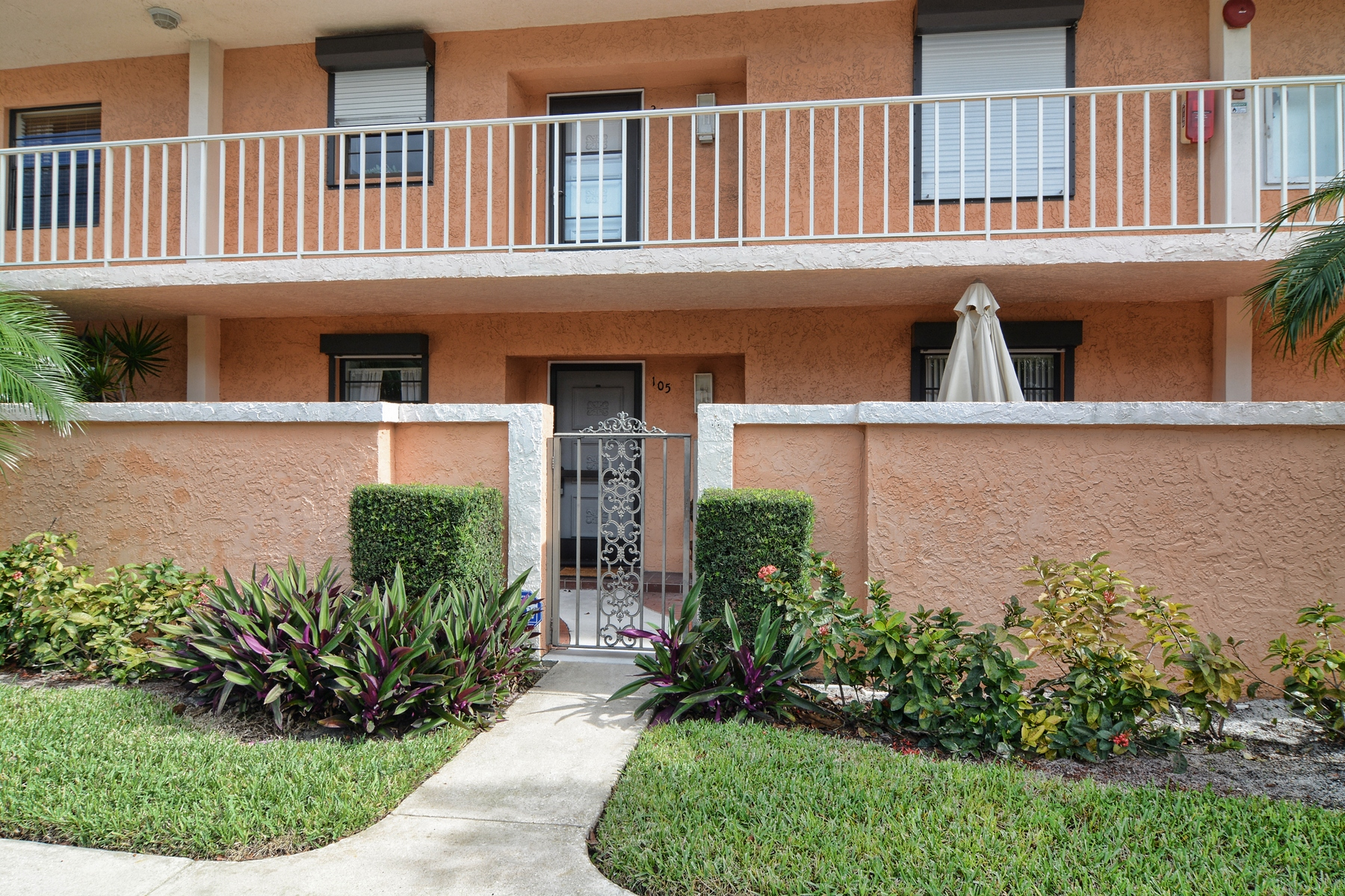 Condominium for Sale at 300 N A1A, #M105 Ocean Parks, Jupiter, Florida, 33477 United States