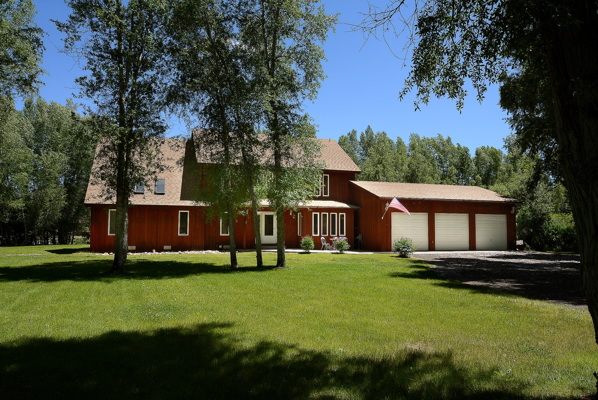 Single Family Home for Sale at Spectacular River Front Home 42 W. Cottonwood Road Gunnison, Colorado 81230 United States