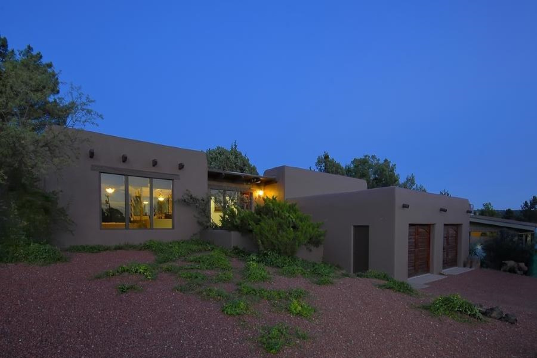 Single Family Home for Sale at Southwestern Pueblo style home with Red Rock views. 580 Mountain Shadows Drive Sedona, Arizona 86336 United States