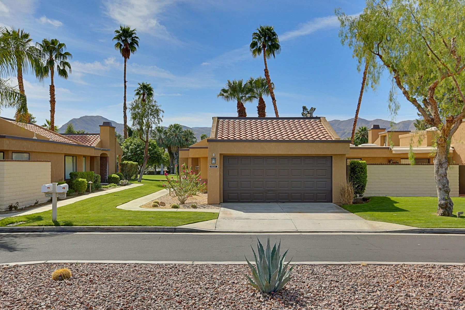 Single Family Home for Sale at 7549 Regency Drive Palm Springs, California, 92264 United States