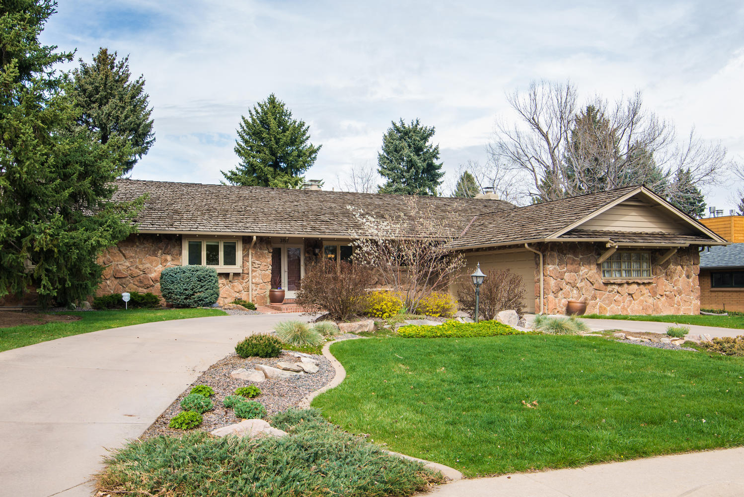 Single Family Home for Sale at Classic Southern Hills Ranch in prime locations 3157 S Dallas Ct Denver, Colorado, 80210 United States